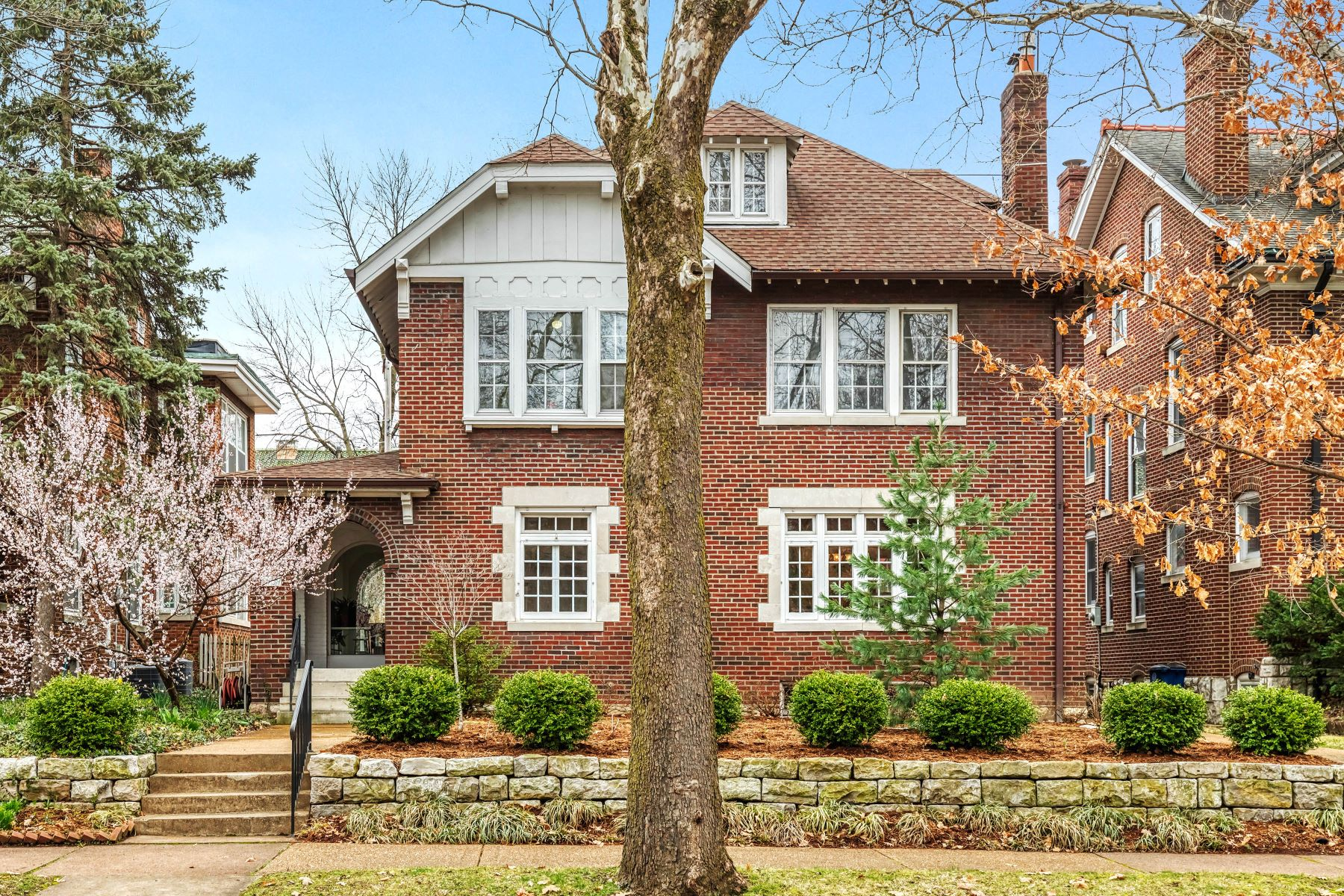 Single Family Homes for Sale at Enticing Charm of a Cotswold Cottage 6959 Waterman Avenue University City, Missouri 63130 United States