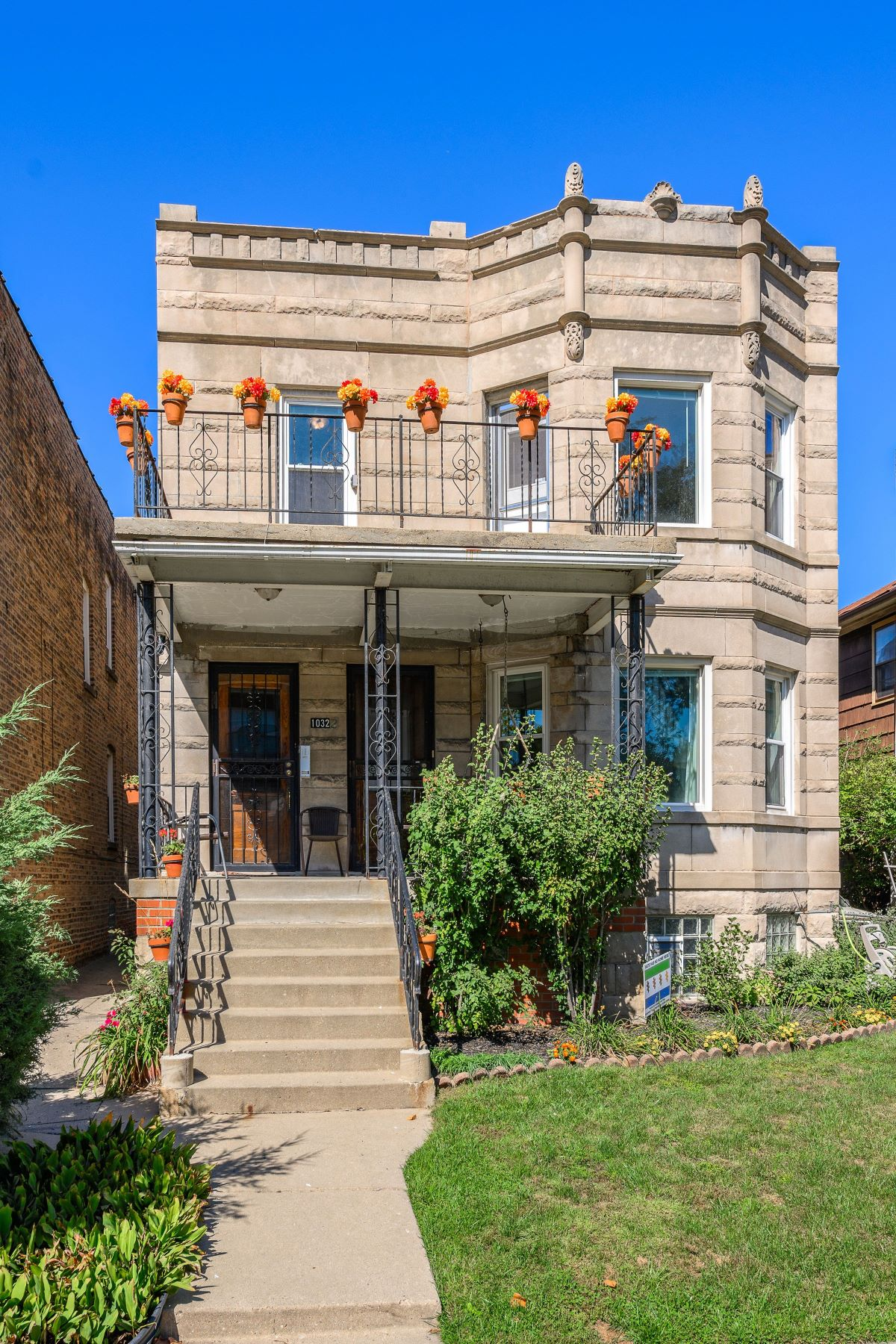 Multi-Family Homes voor Verkoop op Updated, Vintage Two flat 1032 Pleasant Street, Oak Park, Illinois 60302 Verenigde Staten