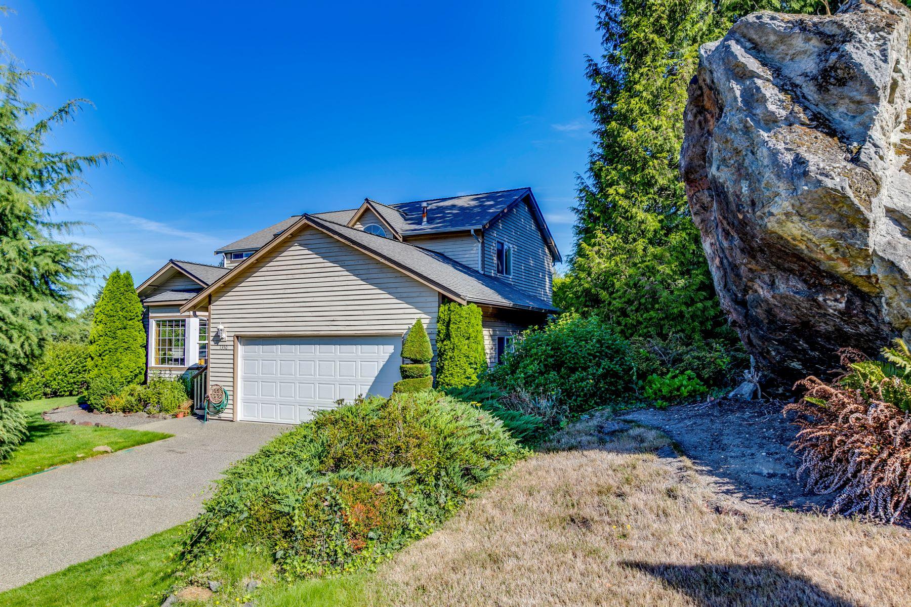 Single Family Homes por un Venta en 1350 Forest Rock Lane Northeast, Poulsbo, WA 98370 1350 Forest Rock Lane NE Poulsbo, Washington 98370 Estados Unidos