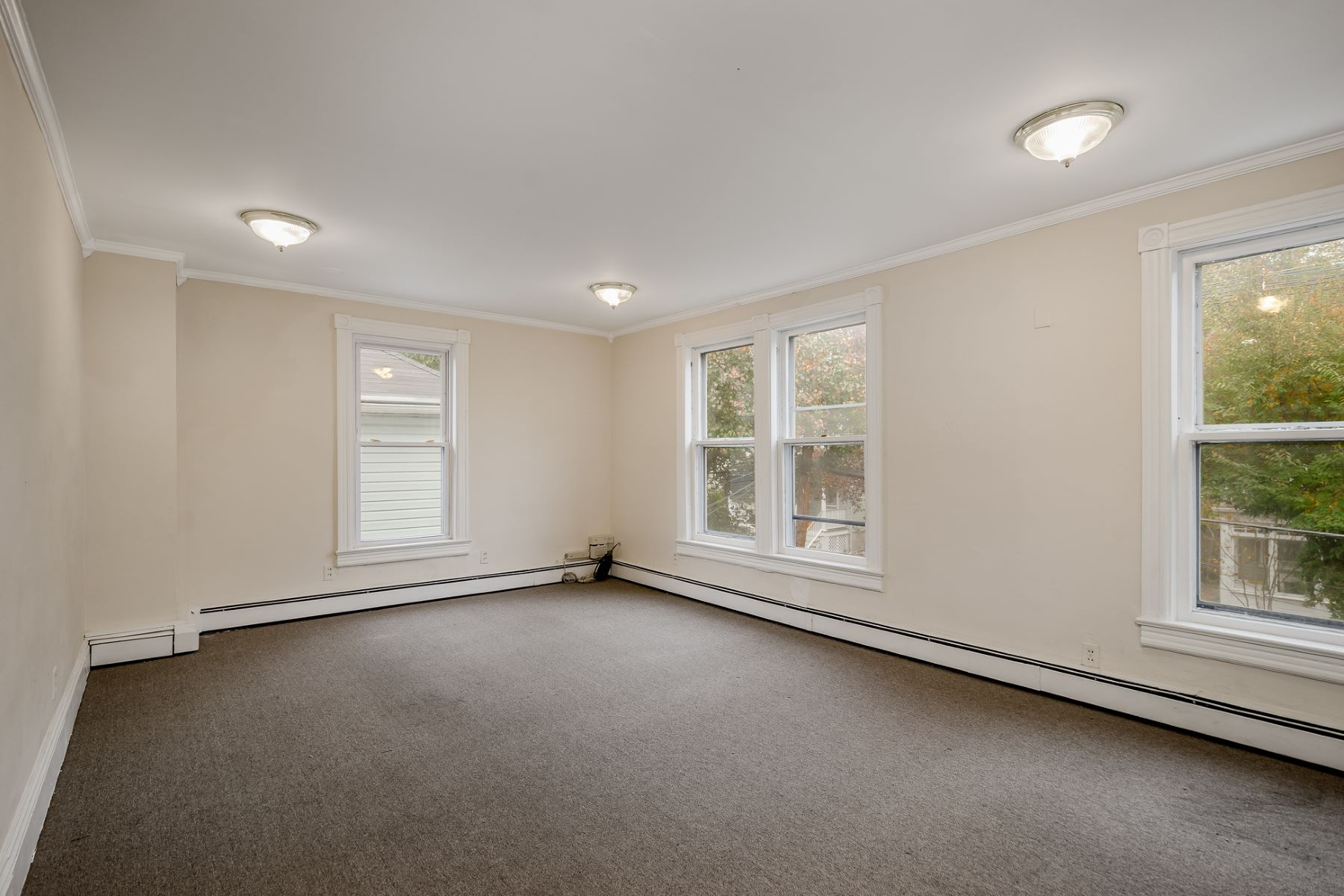 Additional photo for property listing at Live, Work & Play in the Heart of Town 21 Leigh Avenue, Princeton, 뉴저지 08542 미국