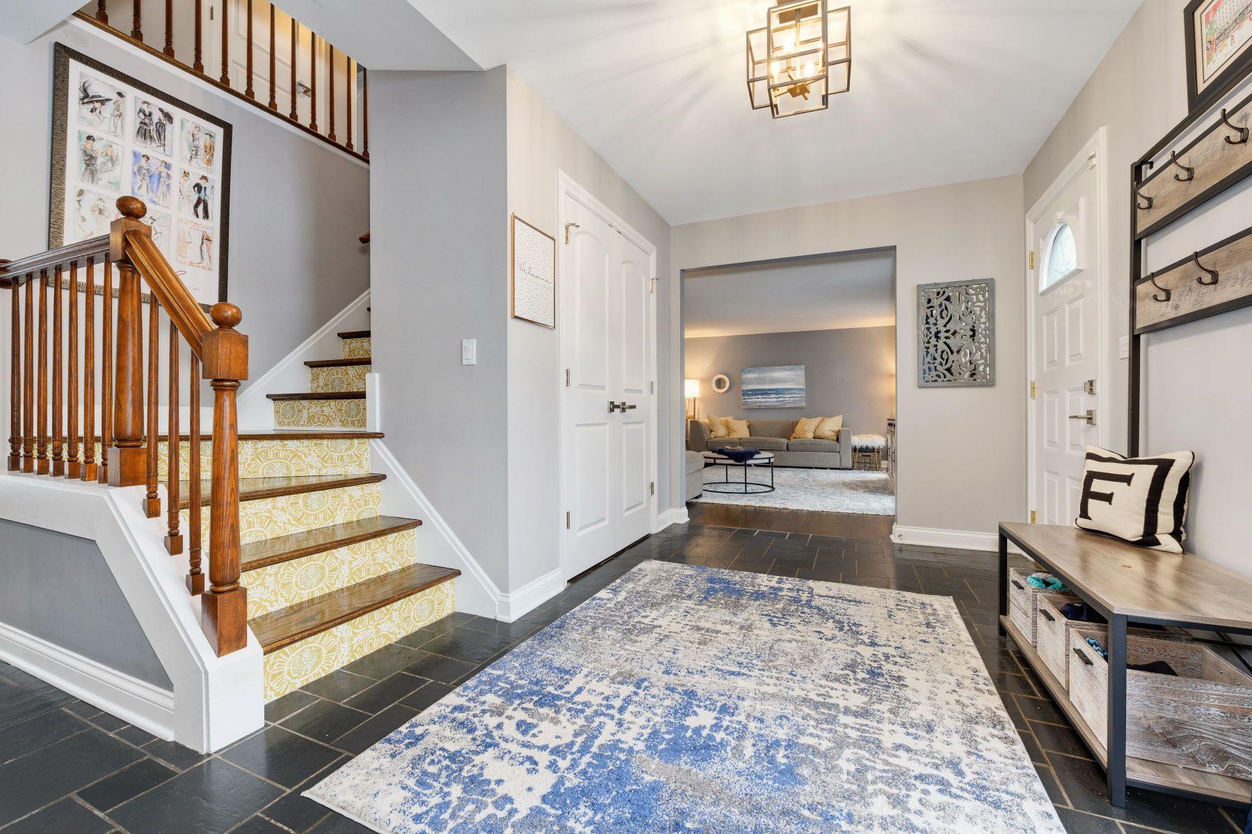 Single Family Homes για την Πώληση στο Rare Available Colonial 67 Berkshire Lane, Lincolnshire, Ιλινοϊσ 60069 Ηνωμένες Πολιτείες