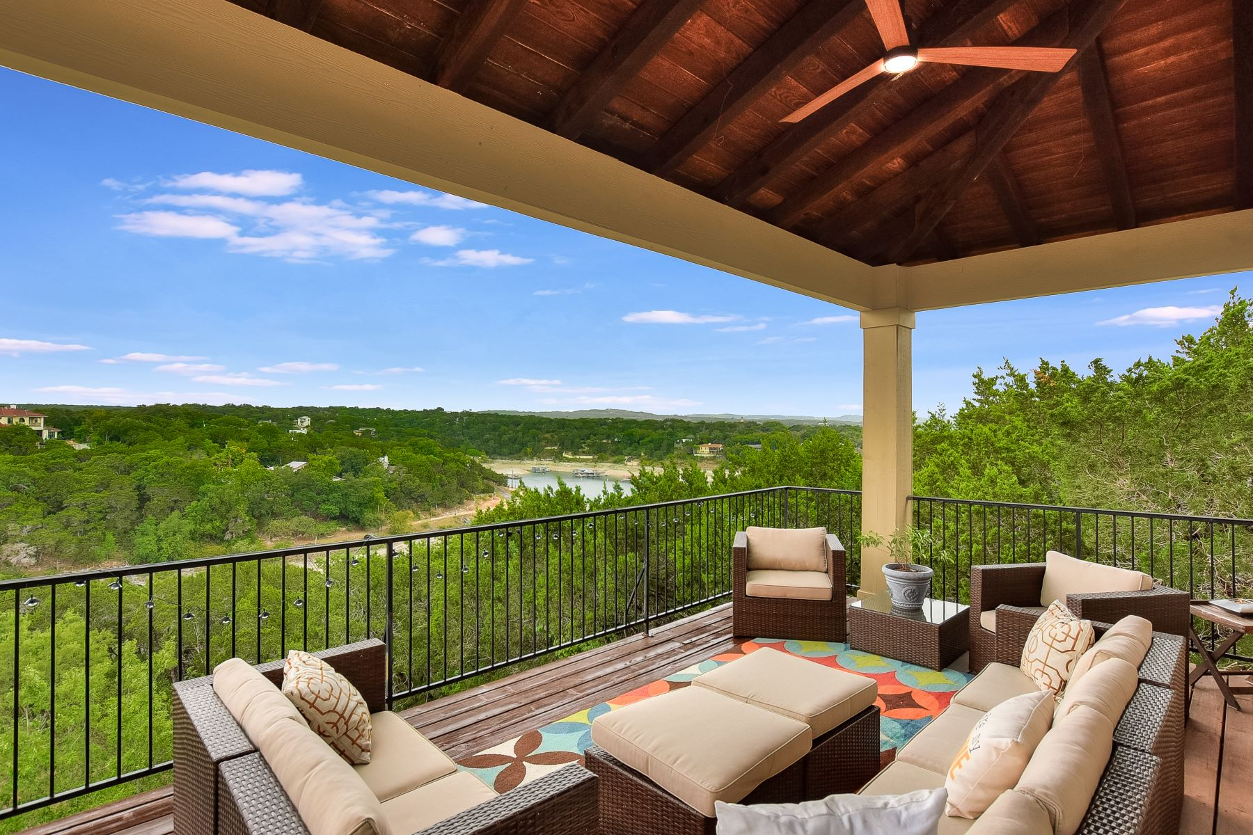 Additional photo for property listing at 3902 Red Bird Trail#B, Lago Vista, TX 78645 3902 Red Bird Trail#B Lago Vista, Texas 78645 United States