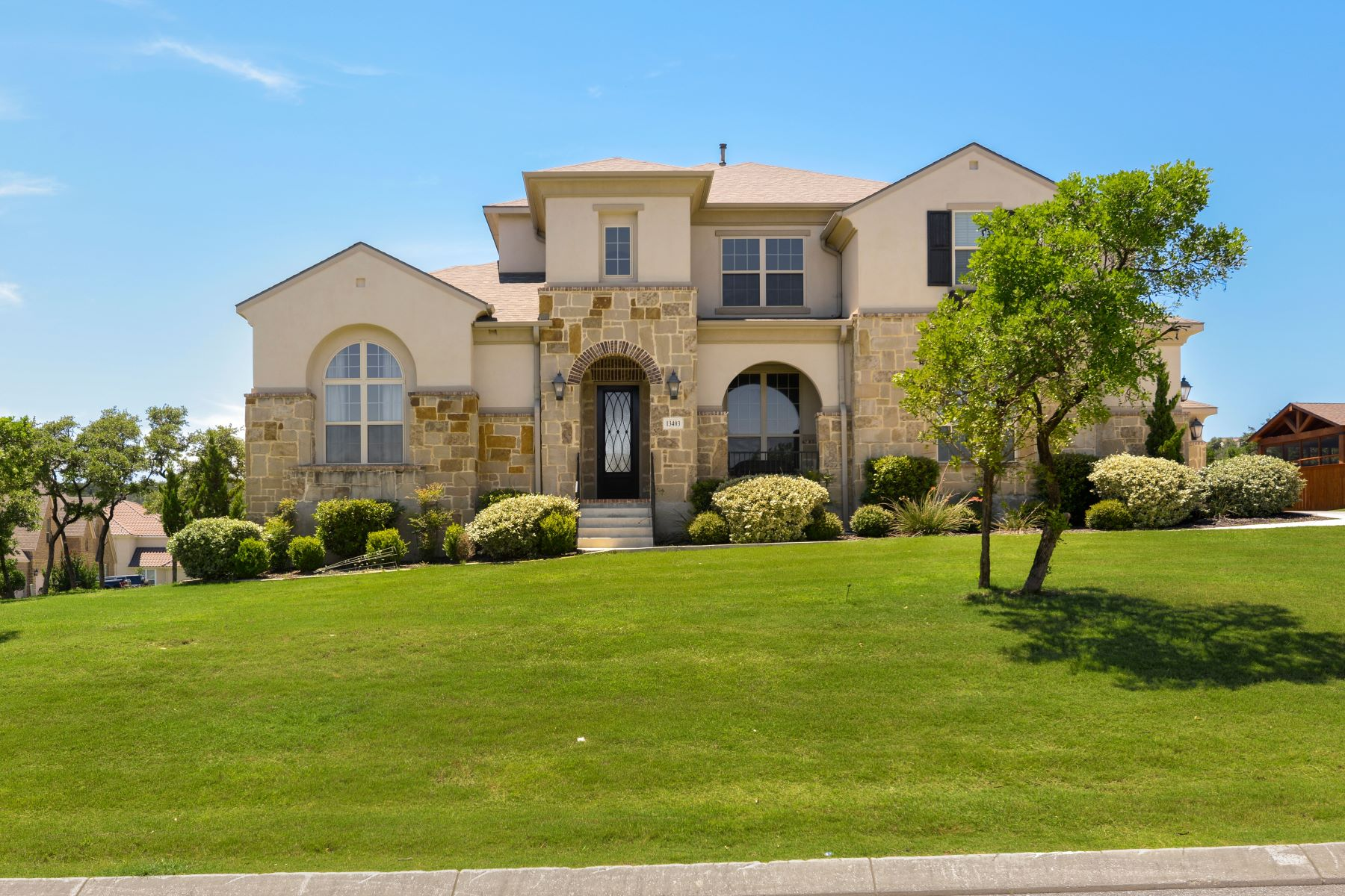 Single Family Homes for Active at Stunning Home in The Ranch at Iron Horse 13403 Pecan Stable Helotes, Texas 78023 United States