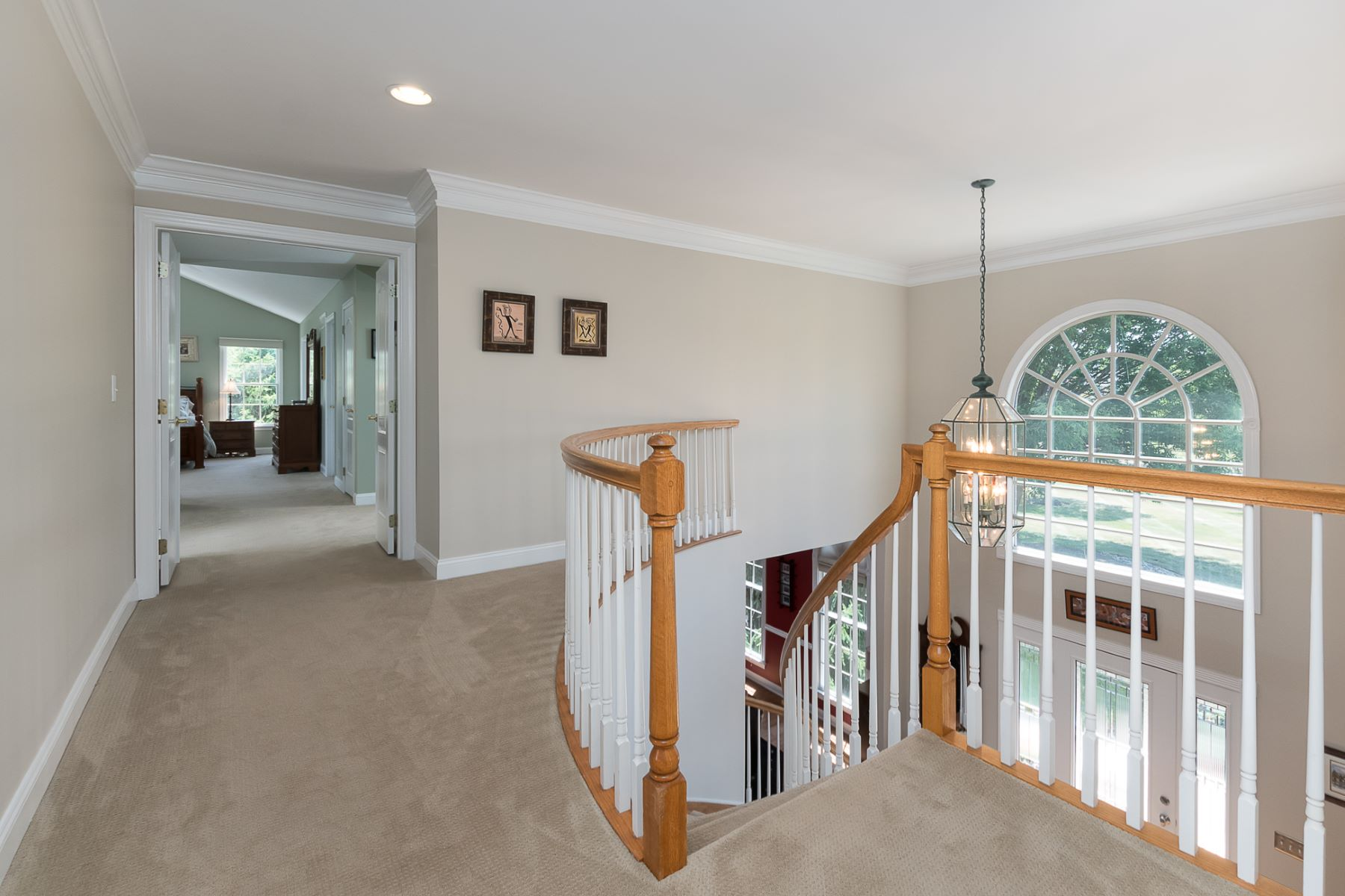 Additional photo for property listing at Beautifully Presented Home In A Commuter-Friendly Location 28 Woodland Drive, Belle Mead, New Jersey 08502 United States