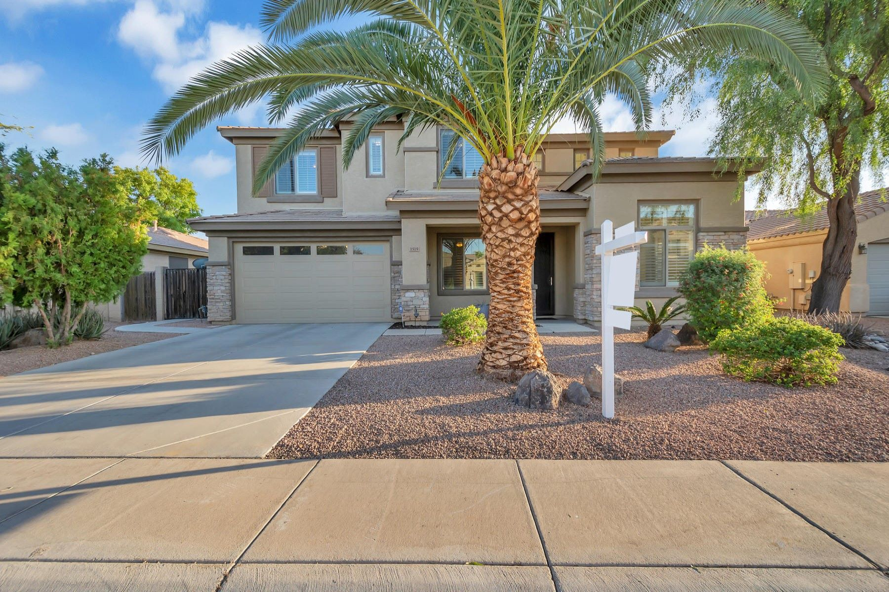 Single Family Homes for Sale at Estates At The Spectrum 1519 East Lark Street Gilbert, Arizona 85297 United States