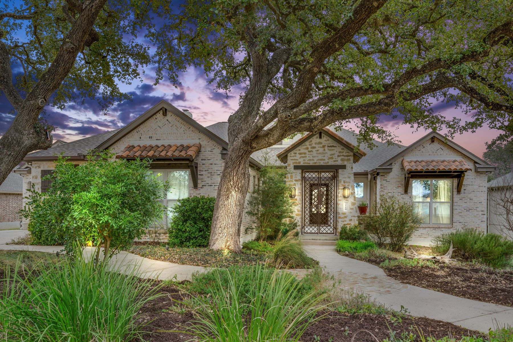 Single Family Homes for Active at 30264 Setterfeld Circle, Fair Oaks Ranch, TX 78015 30264 Setterfeld Circle Fair Oaks Ranch, Texas 78015 United States