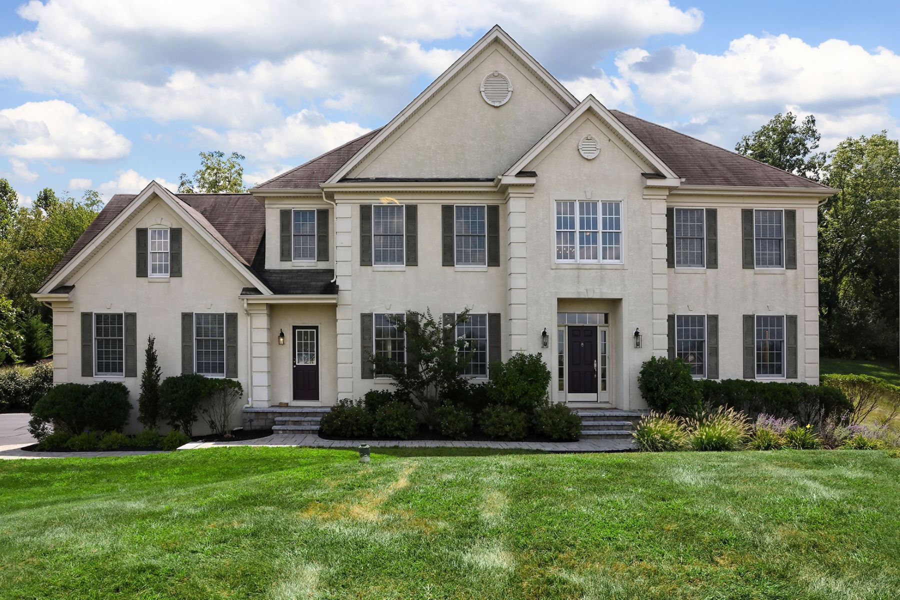 Single Family Homes for Sale at Stunning Offering at the Hills at Hunterdon 25 Rose Run Lambertville, New Jersey 08530 United States