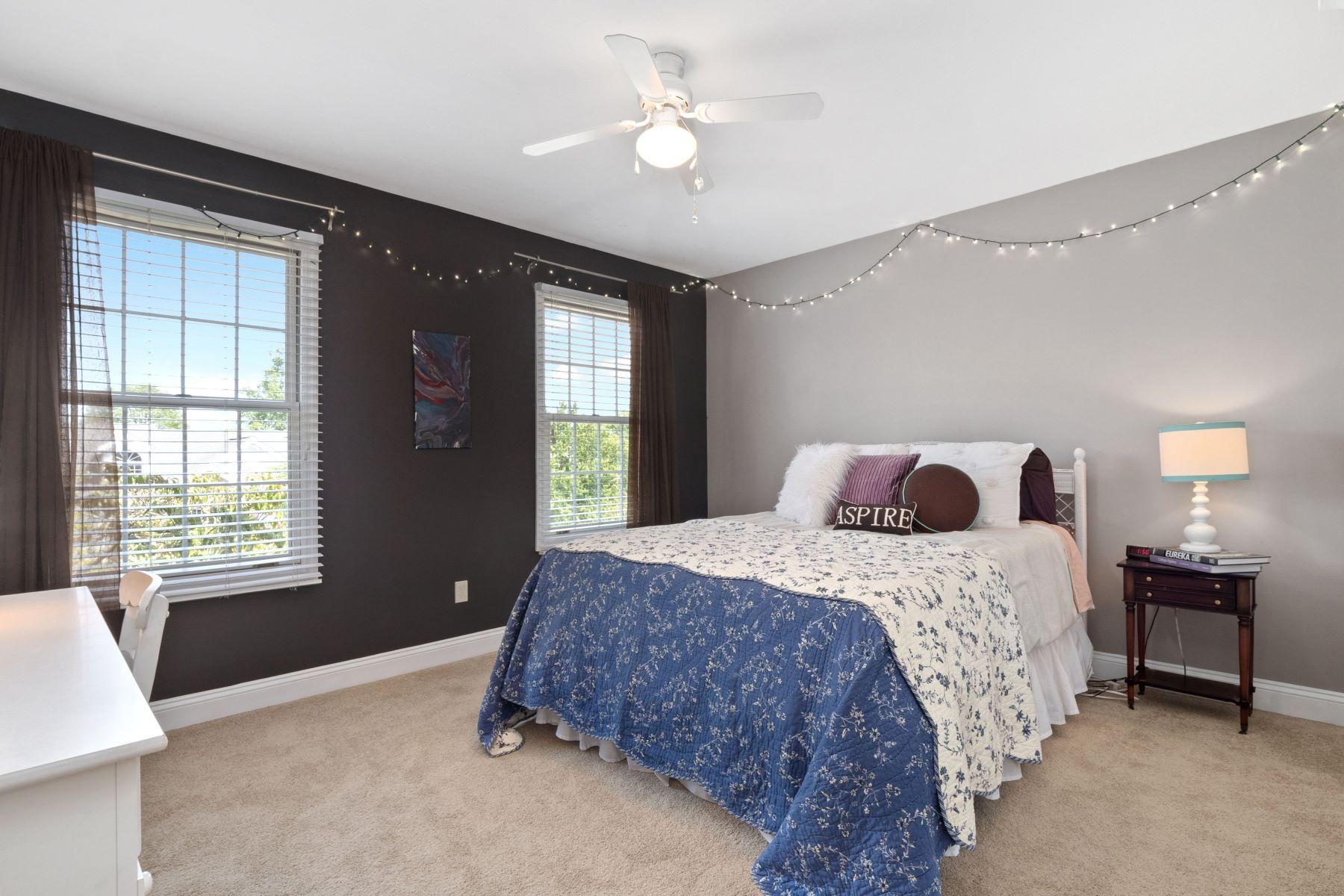Additional photo for property listing at Prestigious Wildwood Home! 105 Boathouse Drive Wildwood, Missouri 63040 United States