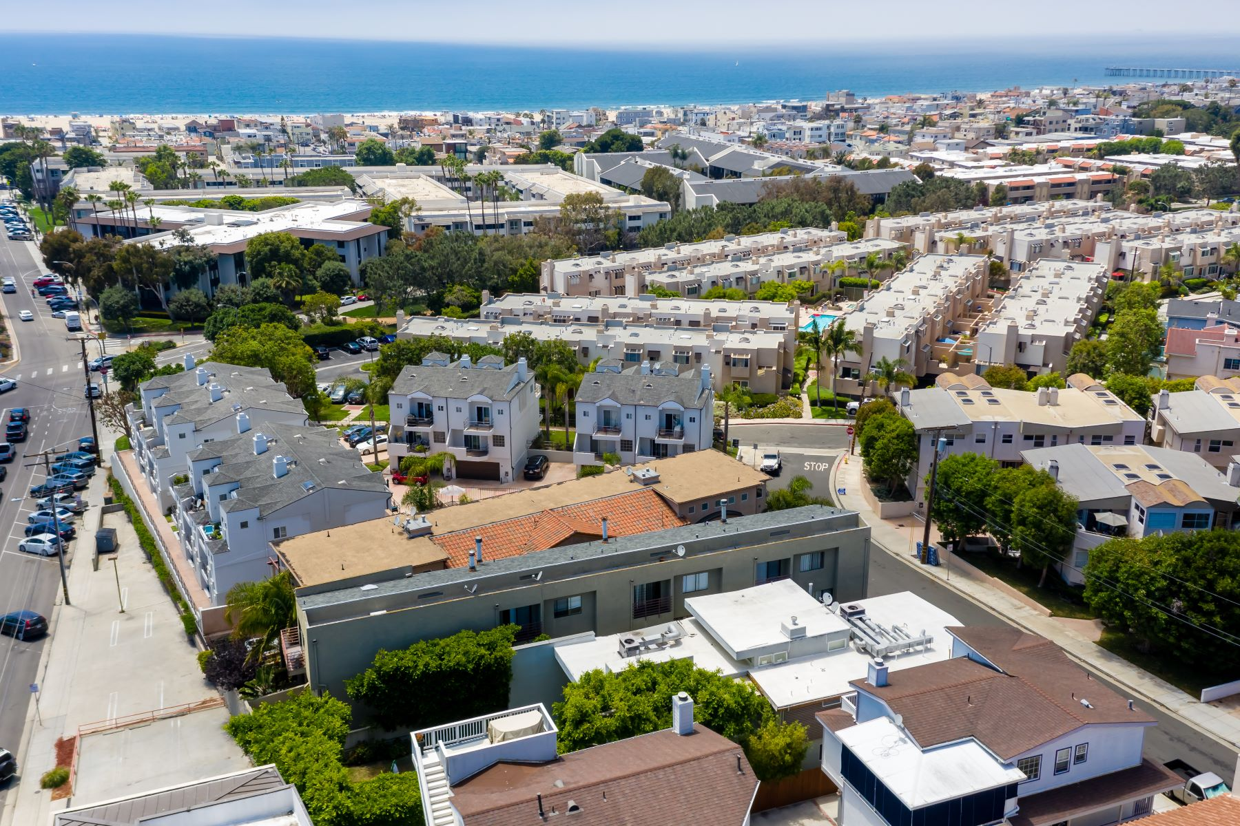 Multi-Family Homes por un Venta en 600 1st Street, Hermosa Beach, CA 90254 600 1st Street Hermosa Beach, California 90254 Estados Unidos