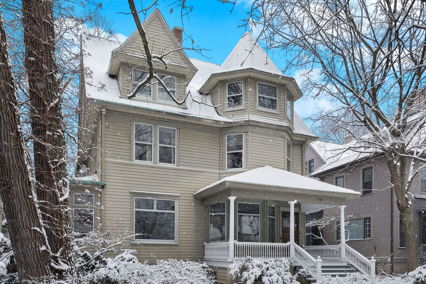 Single Family Homes for Active at Elegant Victorian 1130 Michigan Avenue Evanston, Illinois 60202 United States