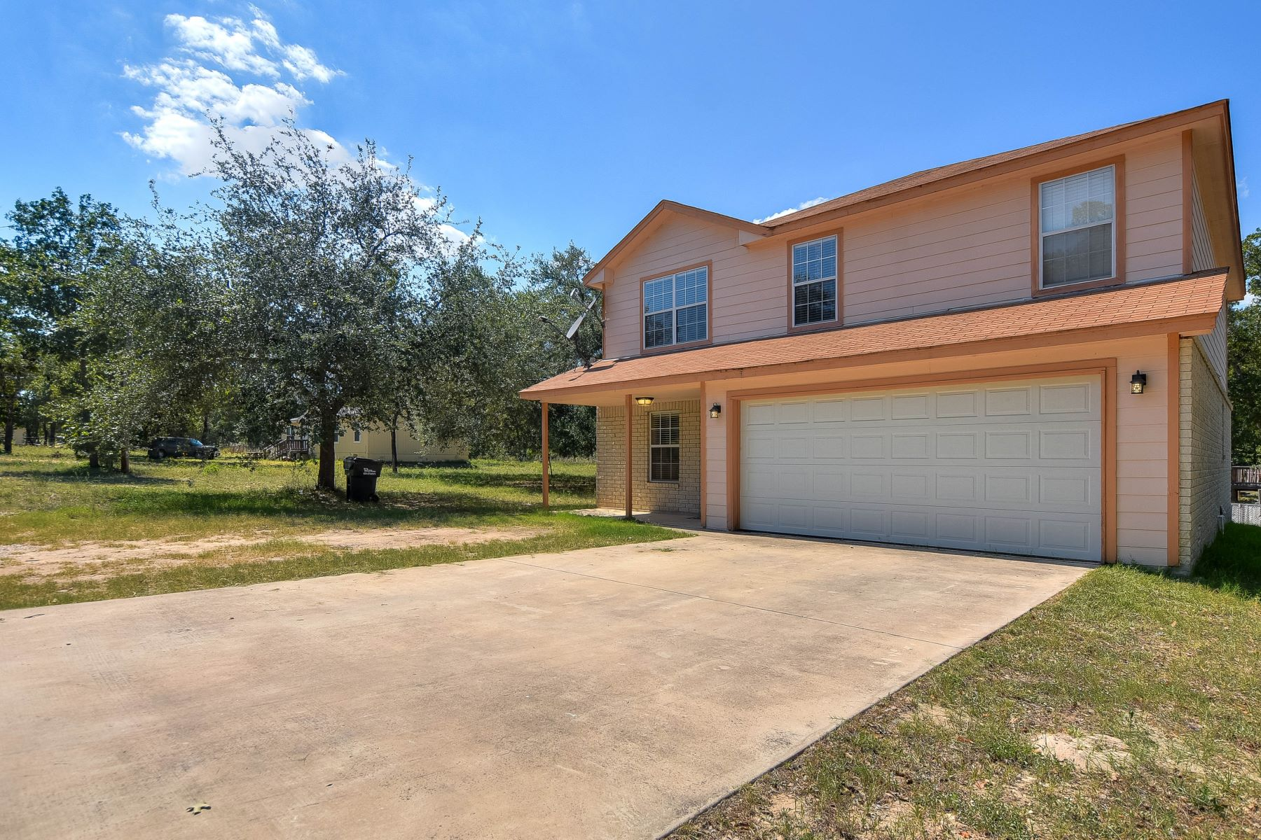 Single Family Home for Sale at Beautiful Home in Forest Woods 227 County Road 6862 Natalia, Texas 78059 United States