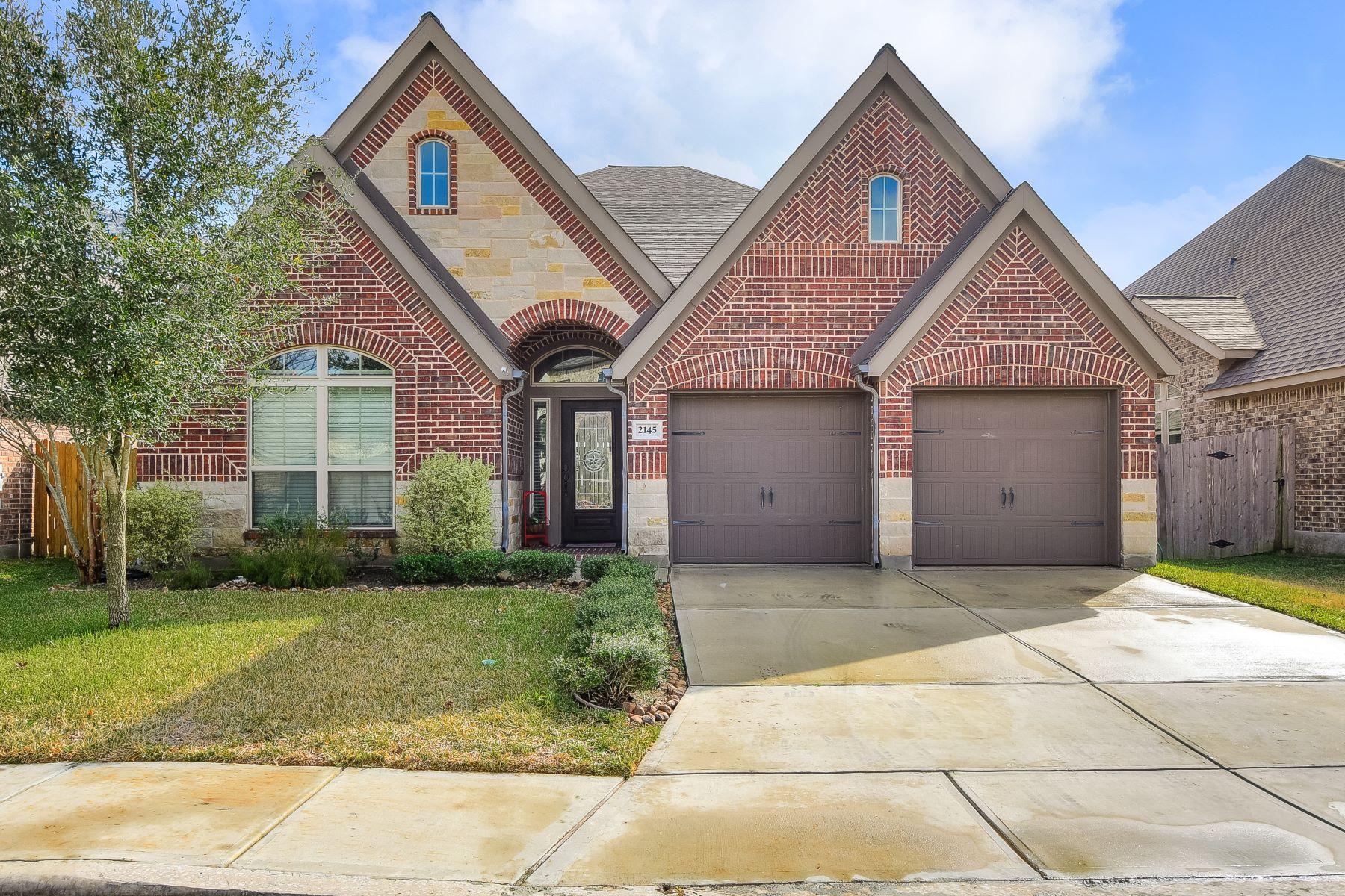Single Family Homes für Verkauf beim Gorgeous Home In Mill Creek Crossing 2145 Pioneer Pass, Seguin, Texas 78155 Vereinigte Staaten