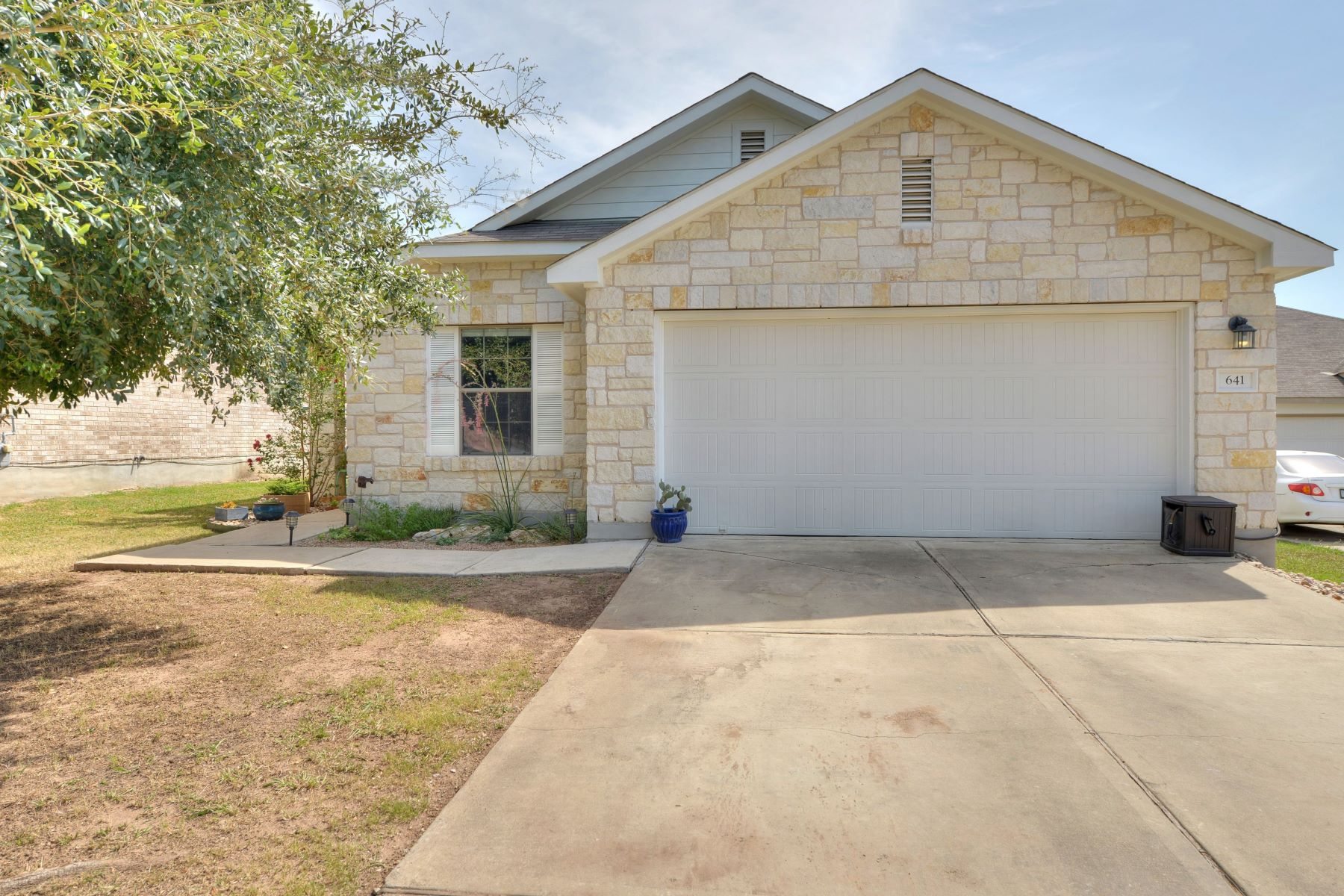 Single Family Homes for Active at 641 Quarter Avenue, Buda, TX 78610 641 Quarter Avenue Buda, Texas 78610 United States