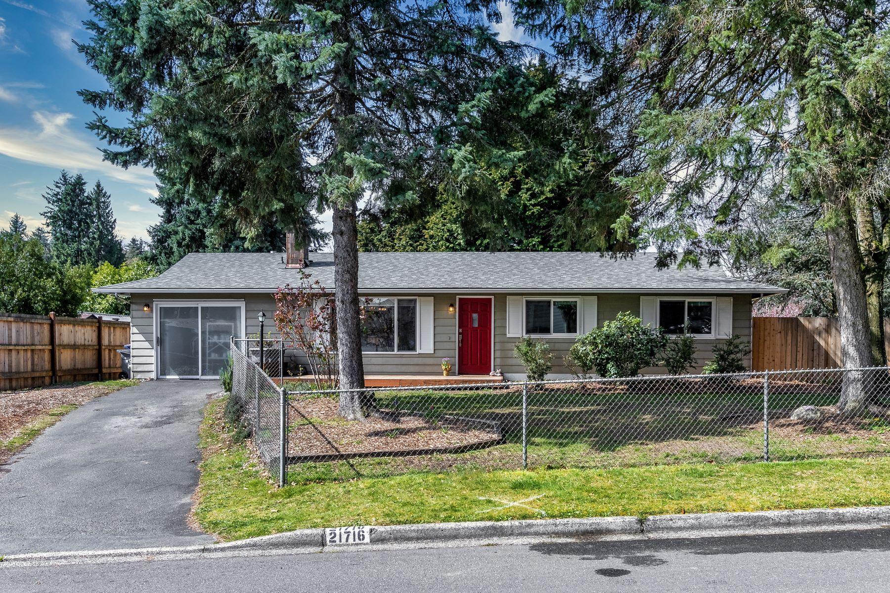 Single Family Homes 용 매매 에 21716 6th Avenue West, Bothell, WA 98021 21716 6th Ave W Bothell, 워싱톤 98021 미국