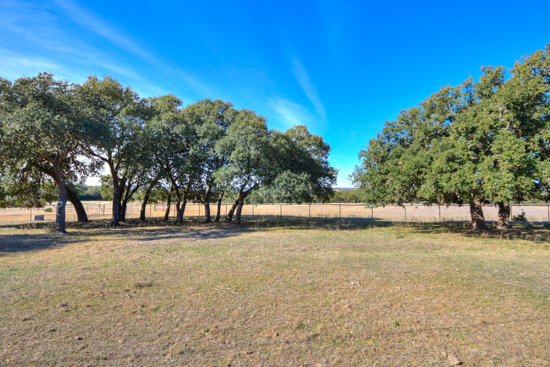 Granjas / Hacienda / Platanción por un Venta en Horse and Livestock Friendly Acreage in the Hill Country 118 B Pfeiffer Road Boerne, Texas 78006 Estados Unidos