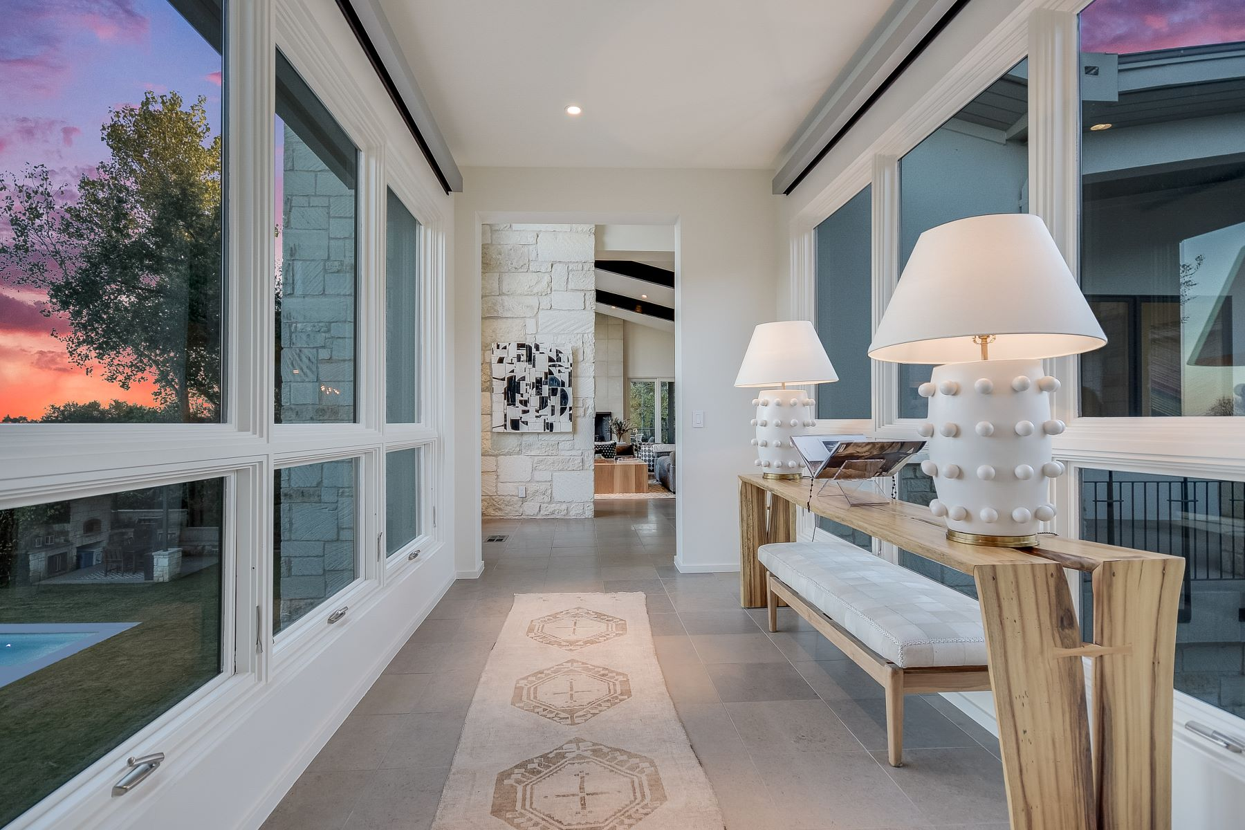 Additional photo for property listing at Stunning Contemporary on 1.63 Flat Acres w/ City Views in Eanes 102 Skyline Drive Austin, Texas 78746 United States