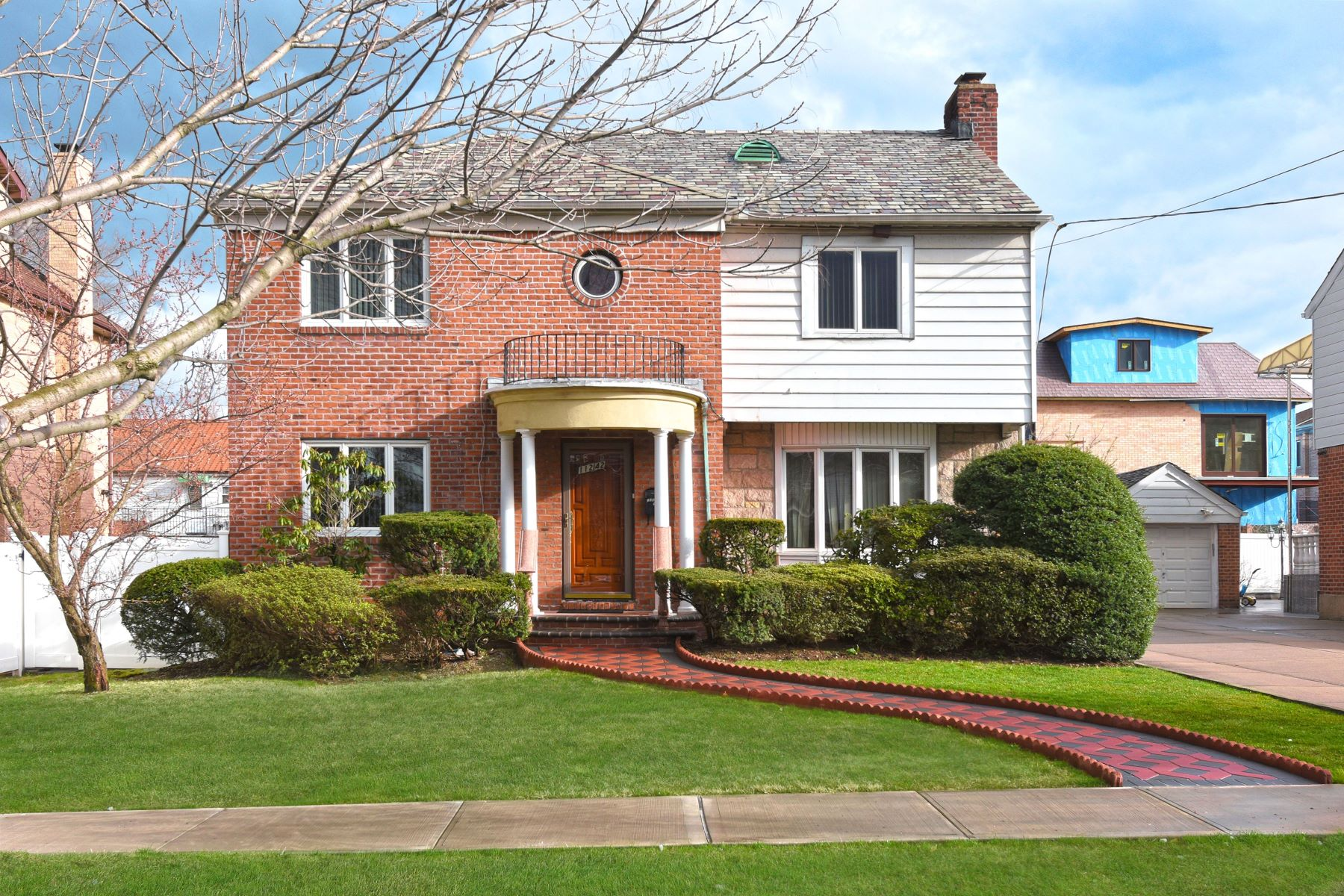 Single Family Homes 為 出售 在 112-42 68th Drive, Forest Hills, Ny, 11375 Forest Hills, 纽约 11375 美國