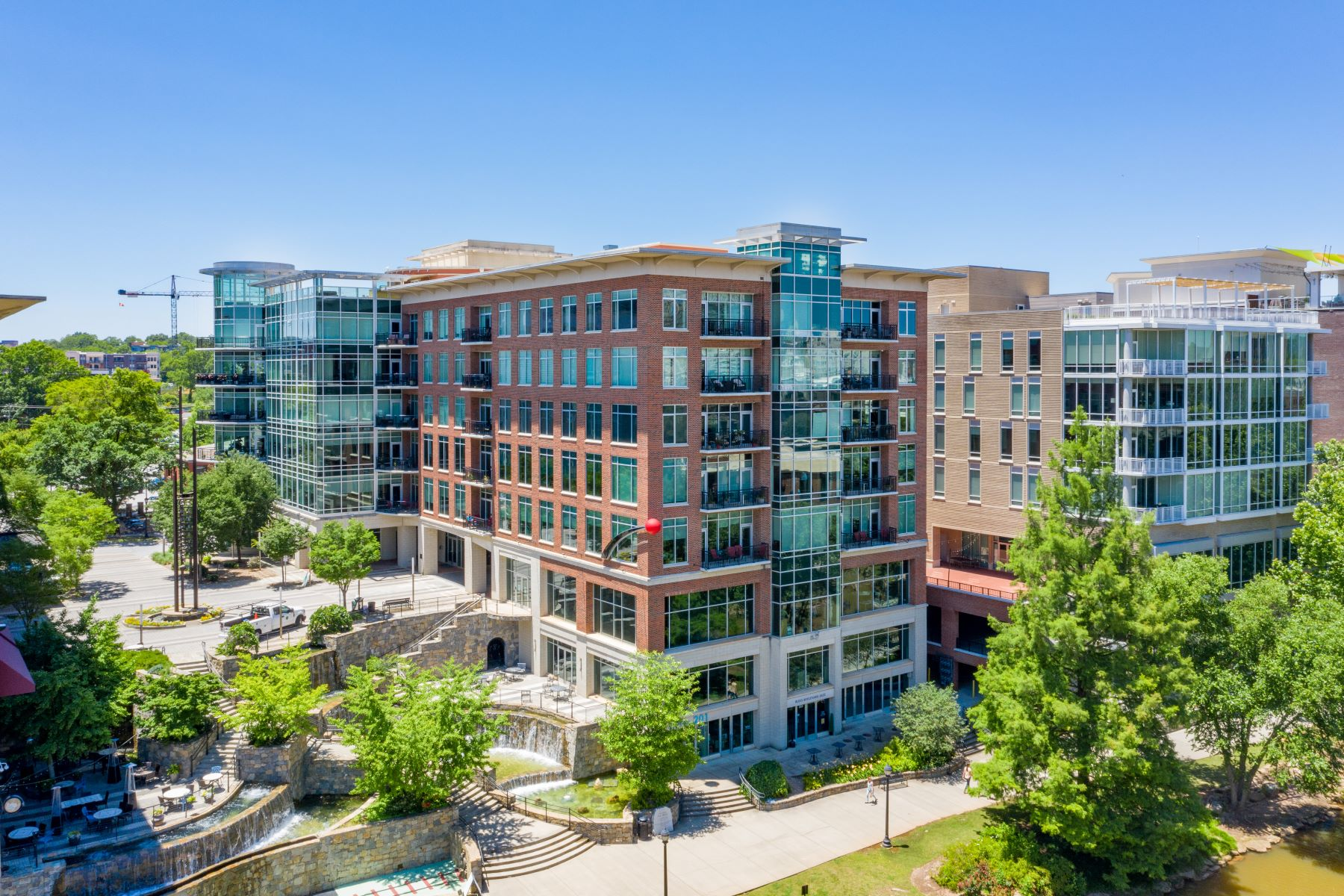 Condominiums for Sale at 201 Riverplace, Greenville, SC 29601 201 Riverplace Unit 802 Greenville, South Carolina 29601 United States