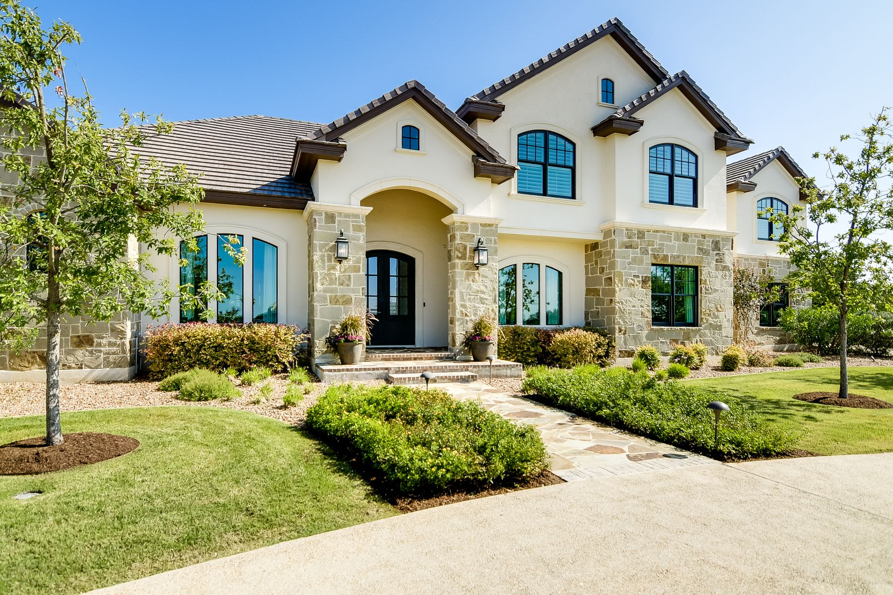 Single Family Homes for Sale at Exceptional Custom Home in Huntington at Shavano Park 106 Wellesley Landing Shavano Park, Texas 78231 United States