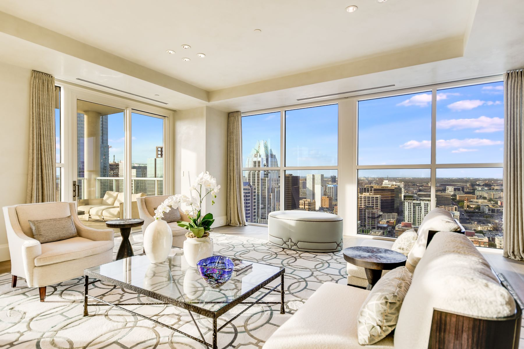 Condominiums for Active at The Four Seasons, 30th Floor Penthouse 98 San Jacinto Boulevard, 30th Floor Penthouse Austin, Texas 78701 United States