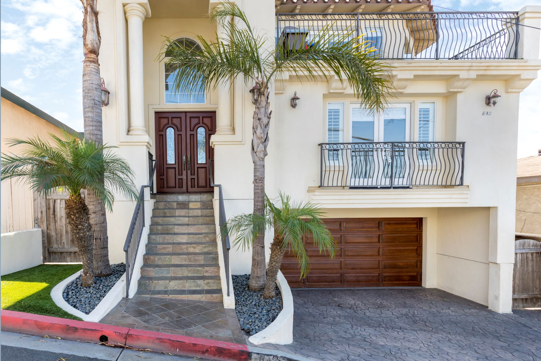 townhouses for Sale at 842 8th Street, Hermosa Beach, CA 90254 842 8th Street Hermosa Beach, California 90254 United States