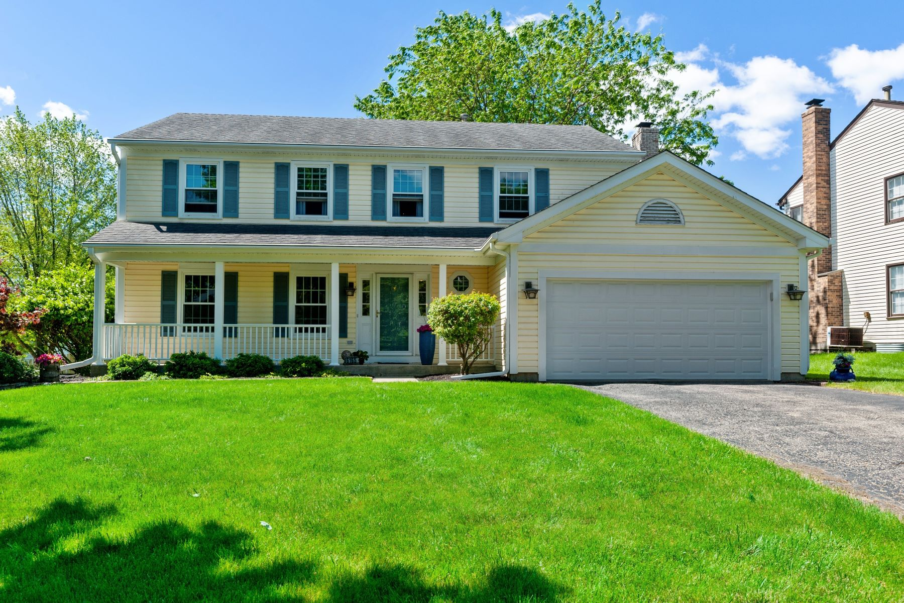 Single Family Homes für Verkauf beim Gurnee Charmer, Beautiful Backyard! 6165 Indian Trail Road, Gurnee, Illinois 60031 Vereinigte Staaten