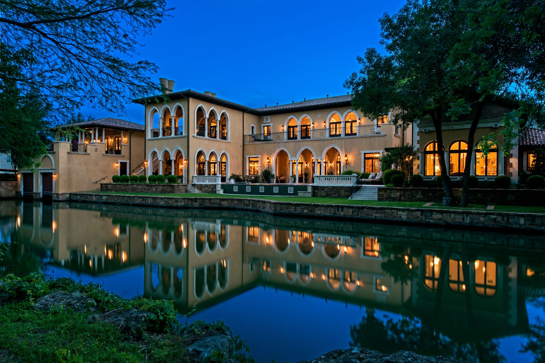 Additional photo for property listing at Ca' Isola Serena 4501 Island Cv Austin, Texas 78731 United States