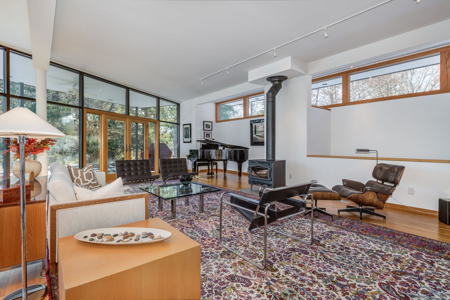 Additional photo for property listing at Contemporary Residence Designed by Bill Bowersox 6682 Clifton Bluffs Court St. Louis, Missouri 63129 United States