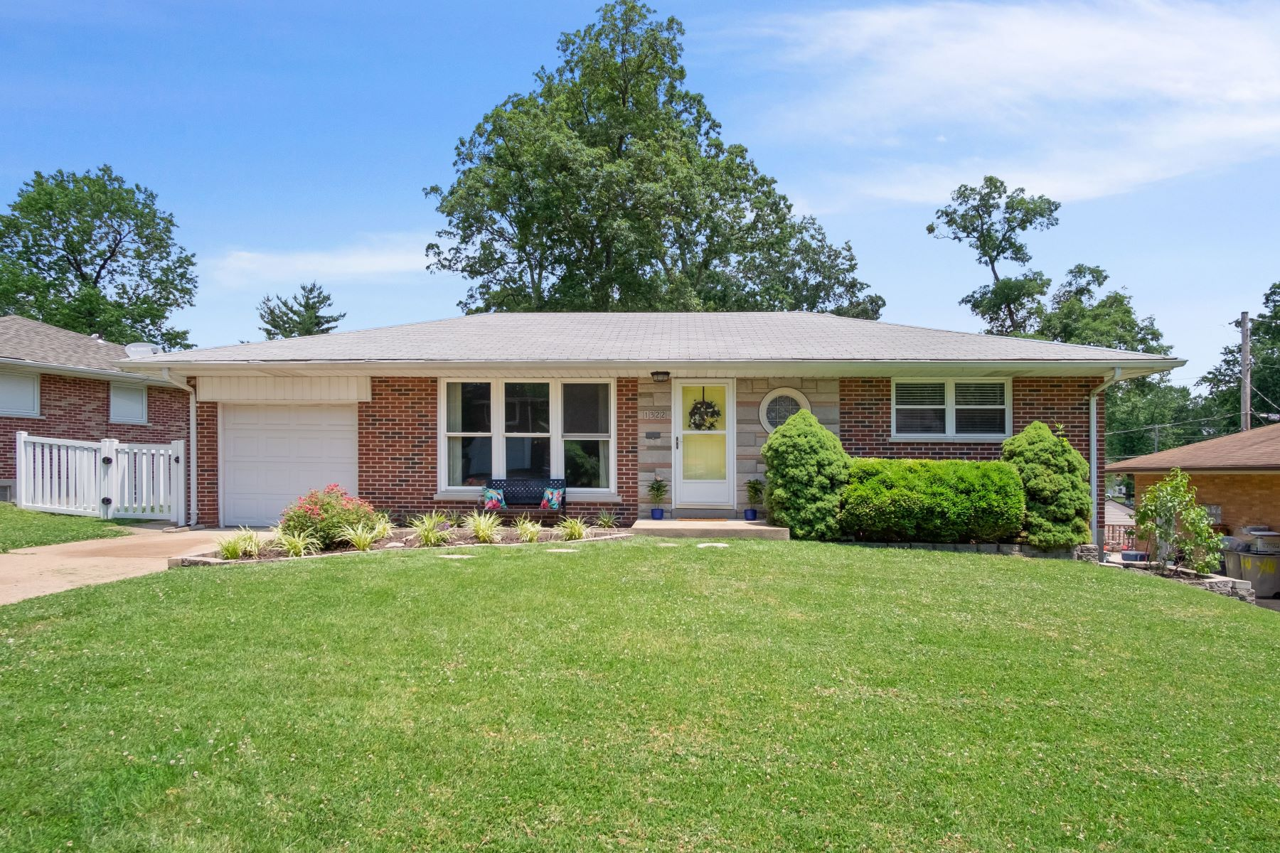 Single Family Homes for Sale at Charming Crestwood Ranch with Updates 1322 Dallwood Drive Crestwood, Missouri 63126 United States