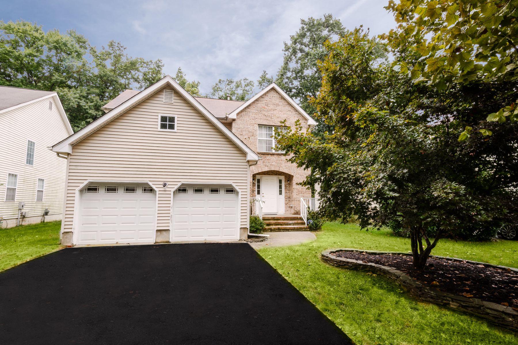 Single Family Homes για την Πώληση στο Elegant living. Convenient location. 60 Canal View Drive, Lawrence Township, Νιου Τζερσεϋ 08648 Ηνωμένες Πολιτείες