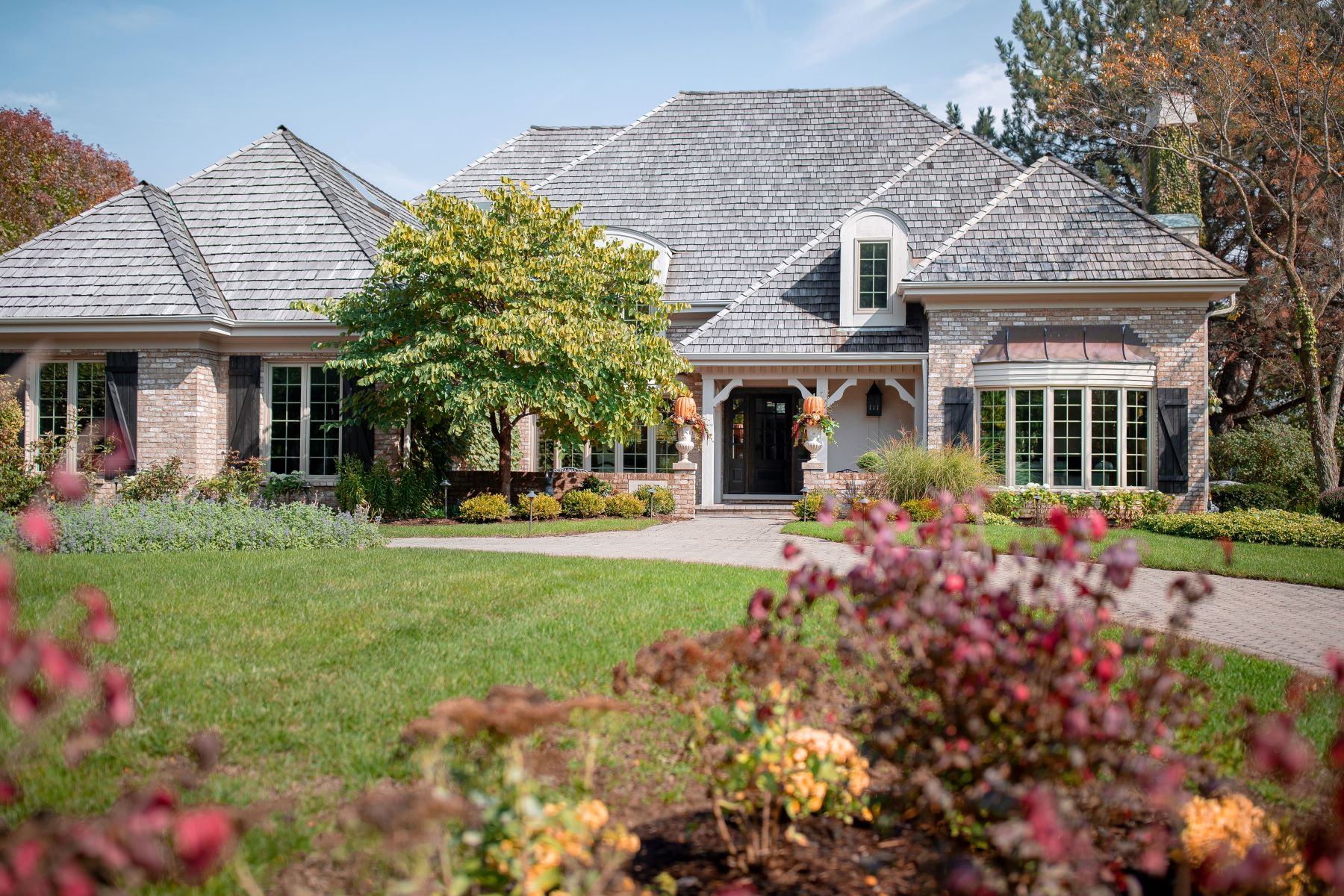 single family homes for Sale at Luxorious Hinsdale Home 527 Princeton Road Hinsdale, Illinois 60521 United States
