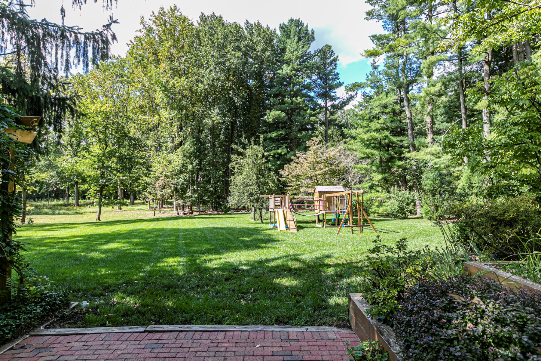 Additional photo for property listing at Updated Edgerstoune 5 Bedroom on 3+ Glorious Acres 141 Hun Road, Princeton, New Jersey 08540 United States