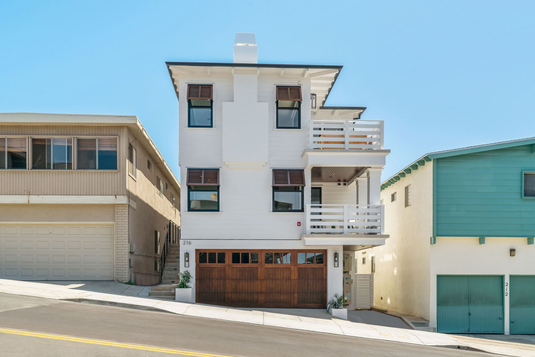 townhouses por un Venta en 216 Marine Avenue, Manhattan Beach, CA 90266 216 Marine Avenue Manhattan Beach, California 90266 Estados Unidos