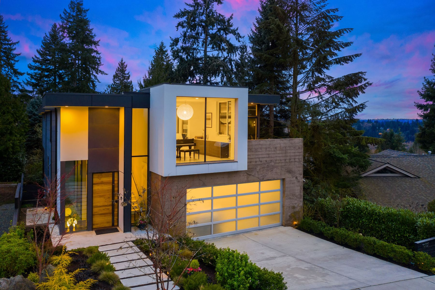 Single Family Homes 용 매매 에 10521 Northeast 47th Place, Kirkland, WA 98033 10521 NE 47th Place, Kirkland, 워싱톤 98033 미국