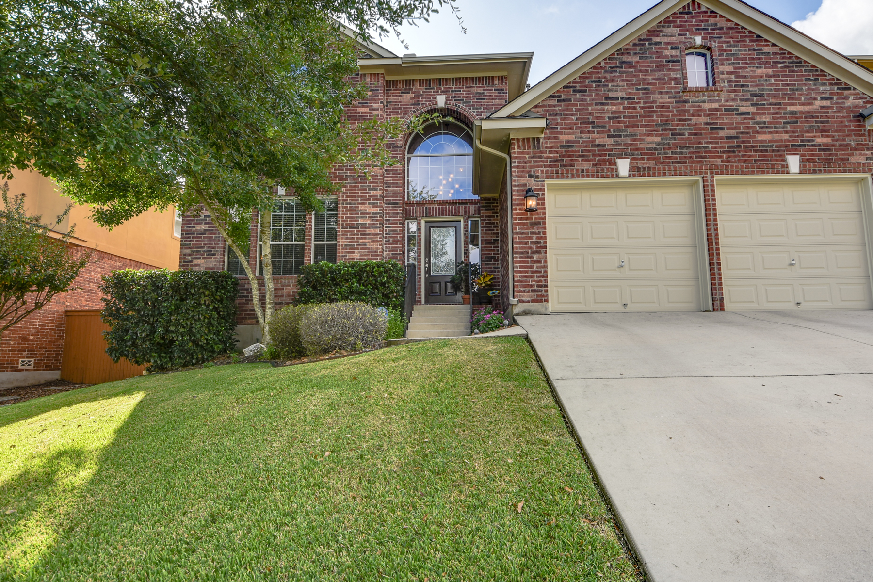Additional photo for property listing at Gorgeous Home on Cul-de-Sac in Stonewall Ranch 711 Aster Trl San Antonio, Texas 78256 Estados Unidos