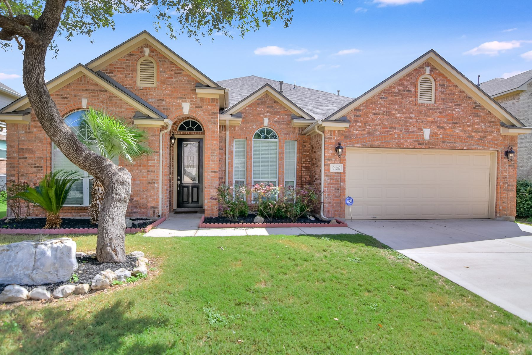 Single Family Homes for Sale at Charming Single Story Home in Prime Location 9106 Rio Sedona Dam Helotes, Texas 78023 United States