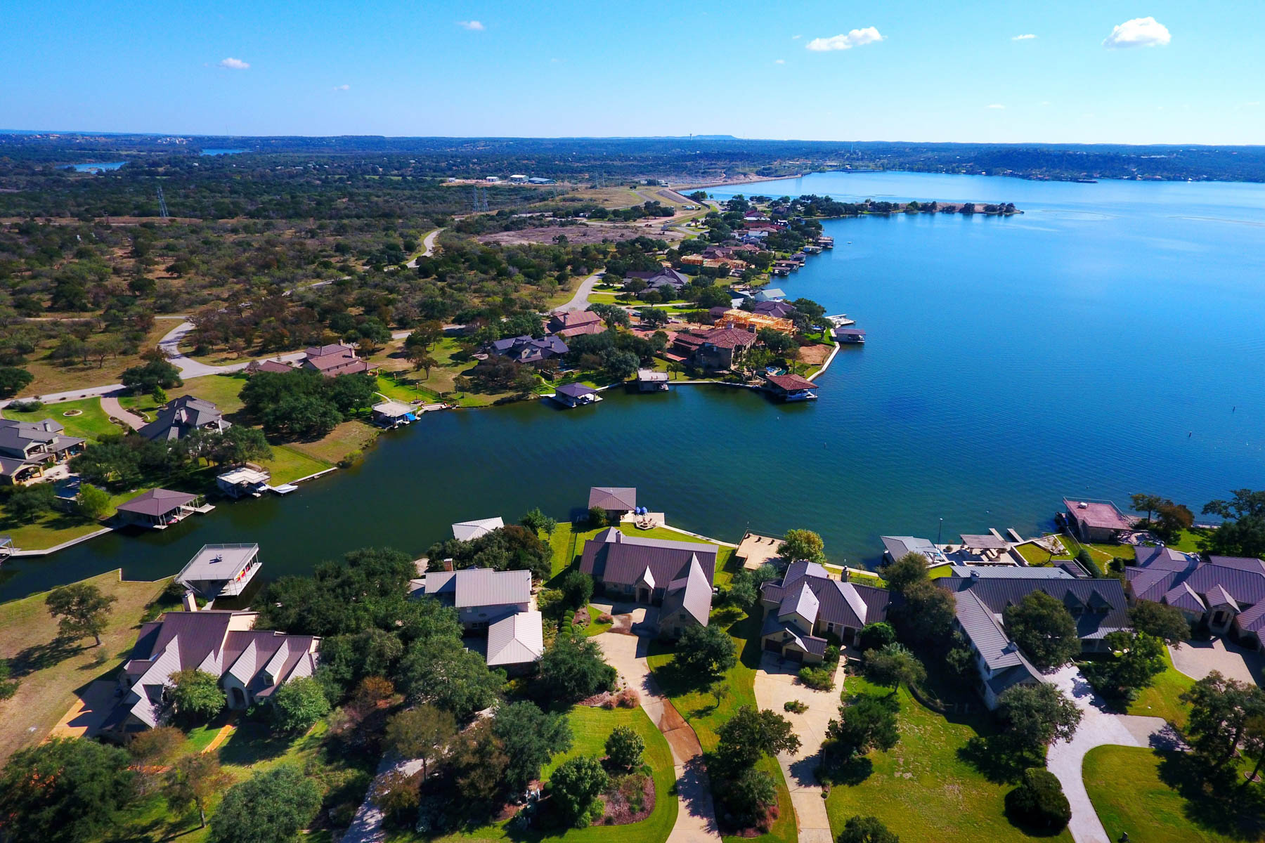 단독 가정 주택 용 매매 에 Wilderness Cove on Lake LBJ is a Hidden Treasure 319 W Wilderness Cv, Marble Falls, 텍사스, 78654 미국