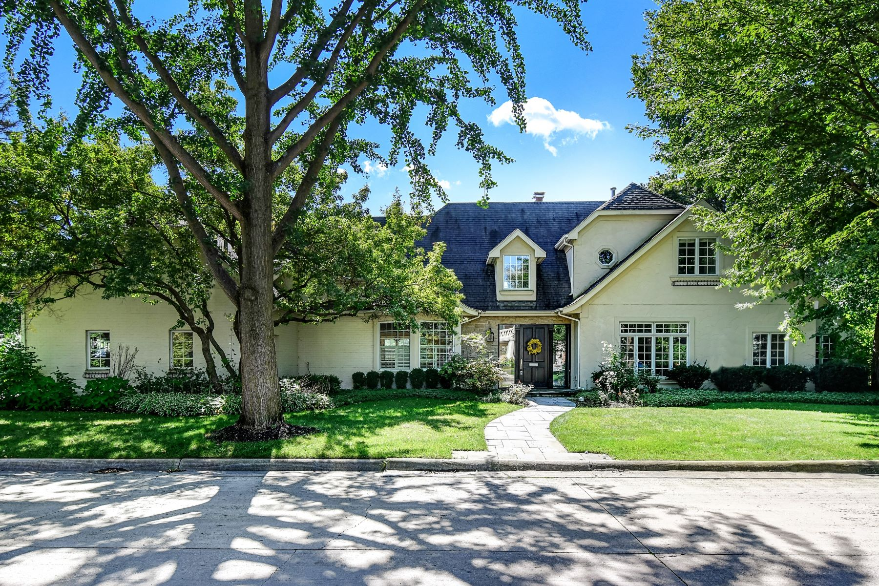 Single Family Homes voor Verkoop op Pefect Hinsdale location 122 E 7th Street, Hinsdale, Illinois 60521 Verenigde Staten