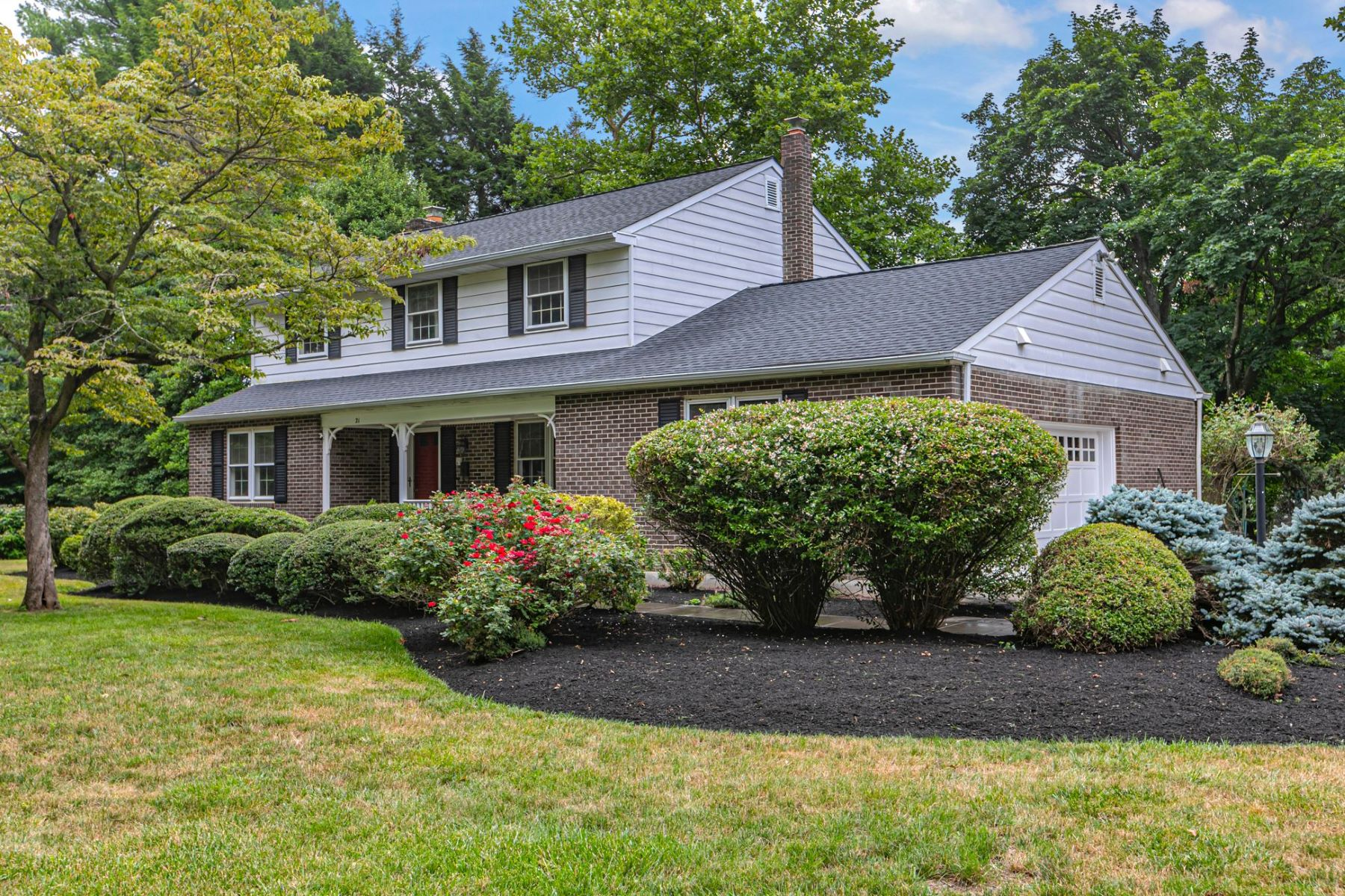 Additional photo for property listing at Center Hall Colonial Steps From Main Street 21 Cranbury Neck Road, Cranbury, New Jersey 08512 United States