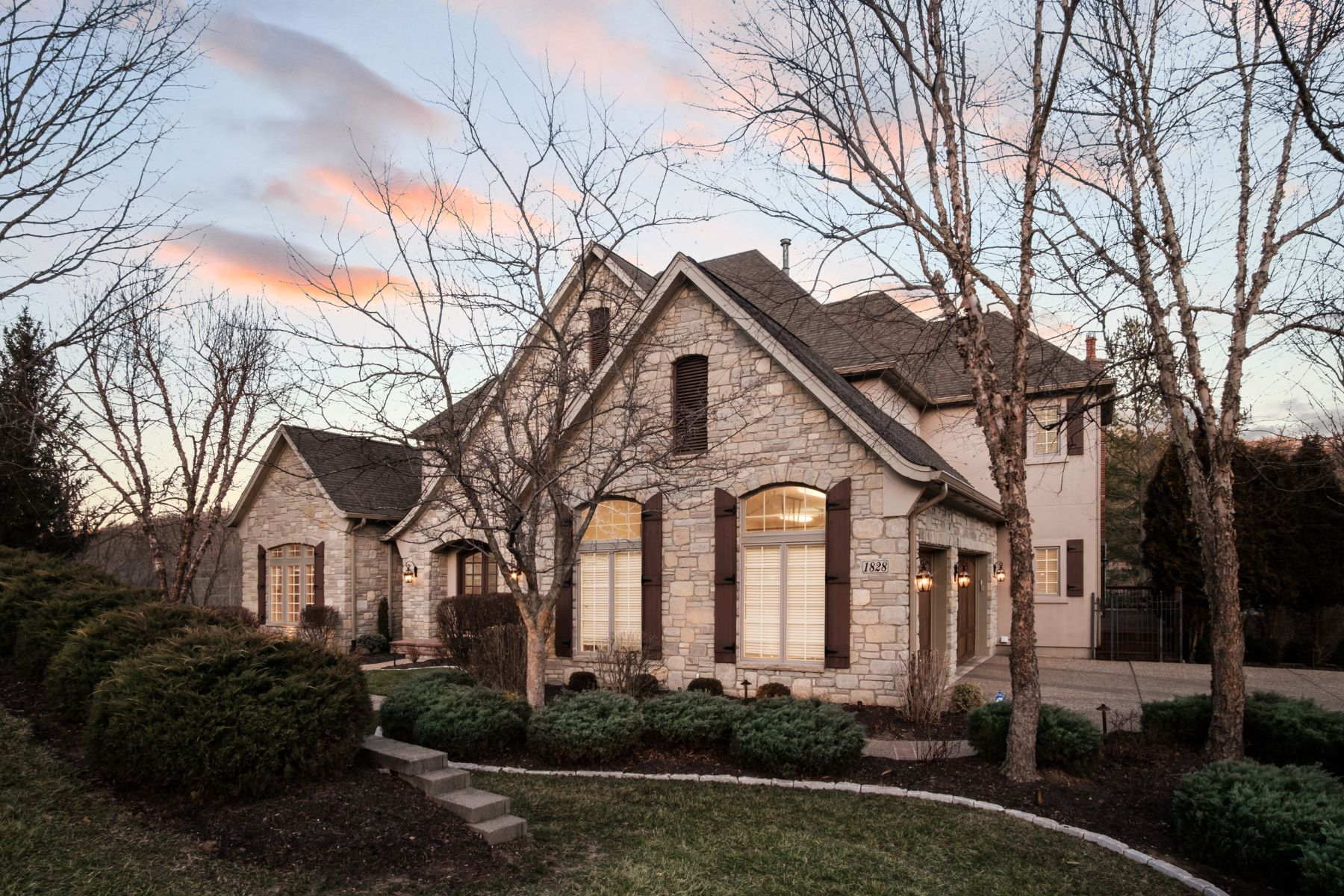 Additional photo for property listing at Suburban Living on 2.9 Wooded Acres 1828 Wills Trace Ridge Wildwood, Missouri 63005 United States