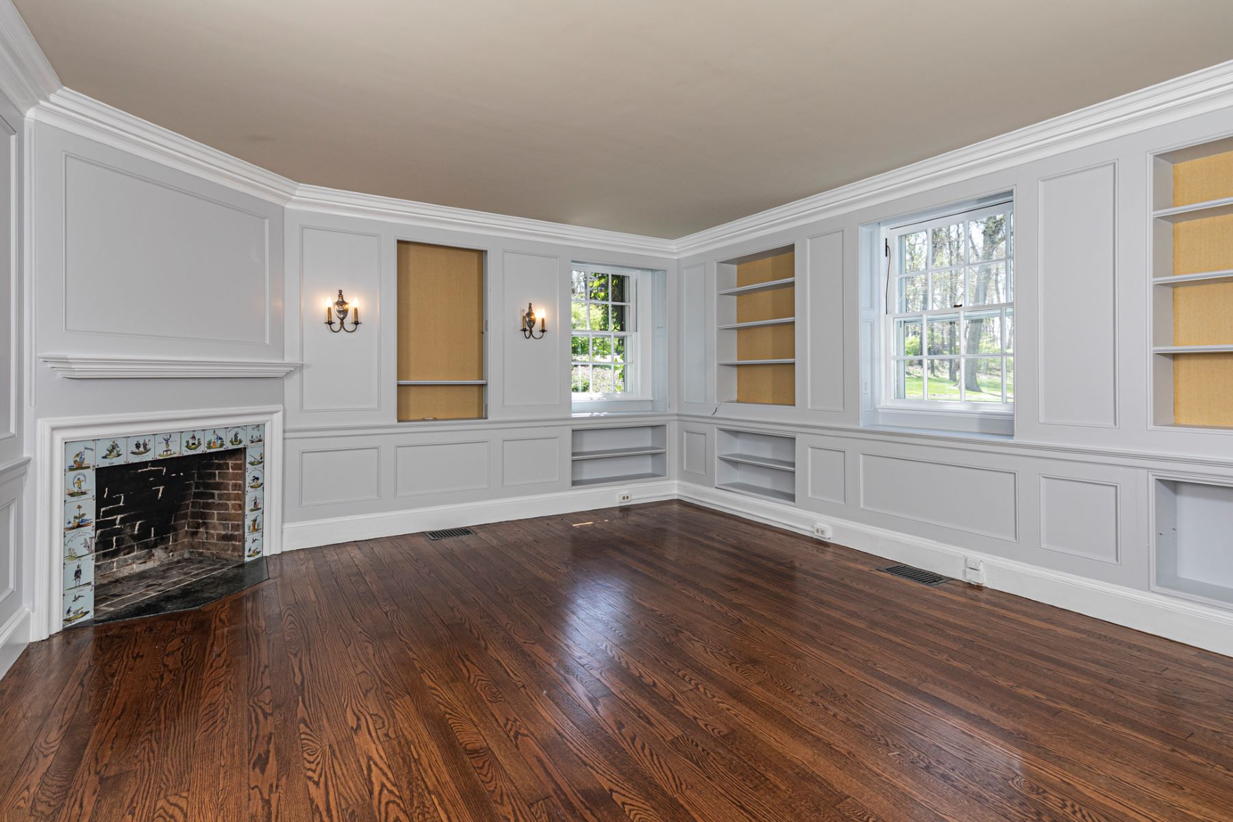 Additional photo for property listing at From the Train to Tranquility in Under 6 Miles 75 North Road, Princeton, New Jersey 08540 United States