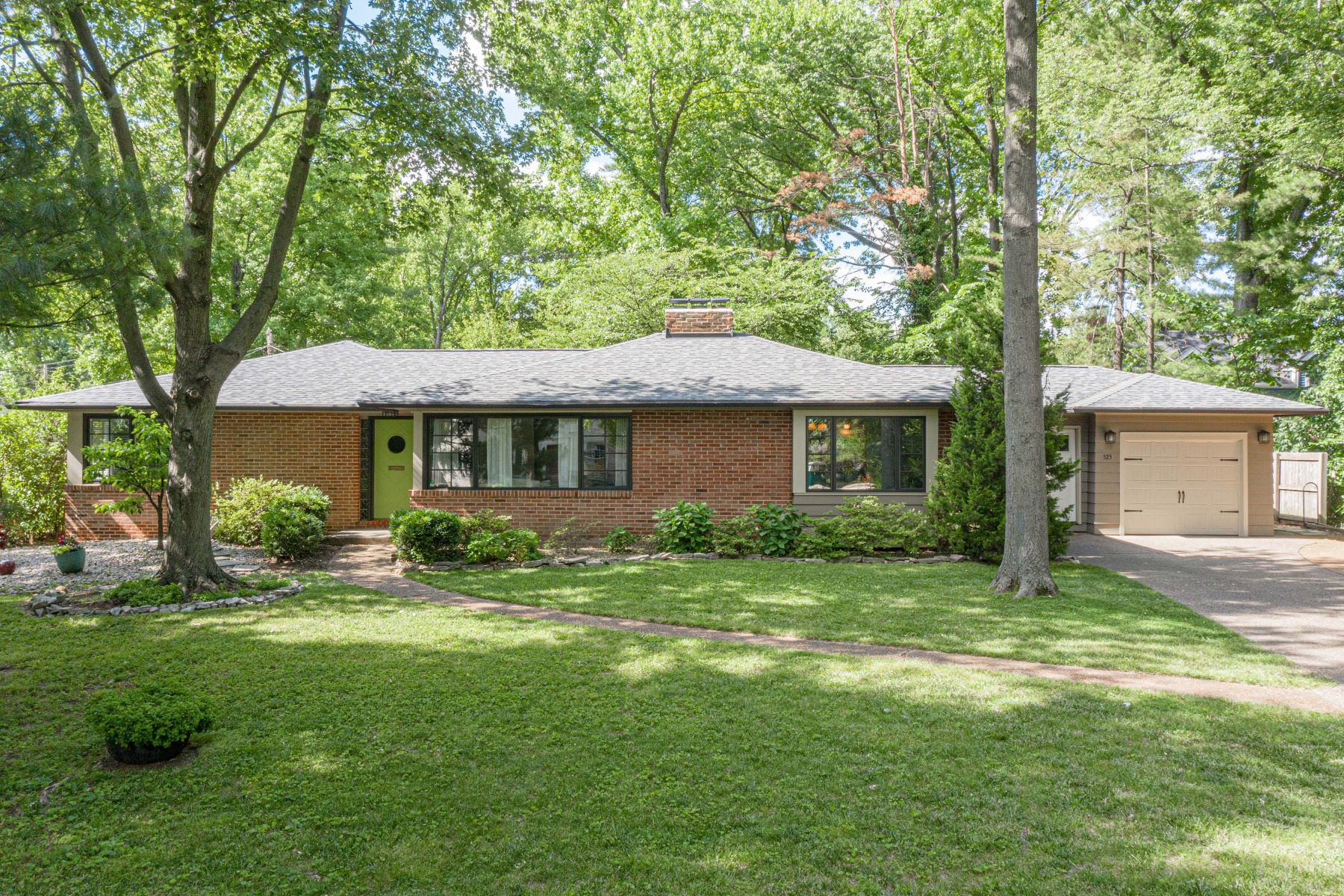 Single Family Homes for Sale at Mid-Century Ranch Near Downtown Kirkwood 525 North Crescent Drive Kirkwood, Missouri 63122 United States