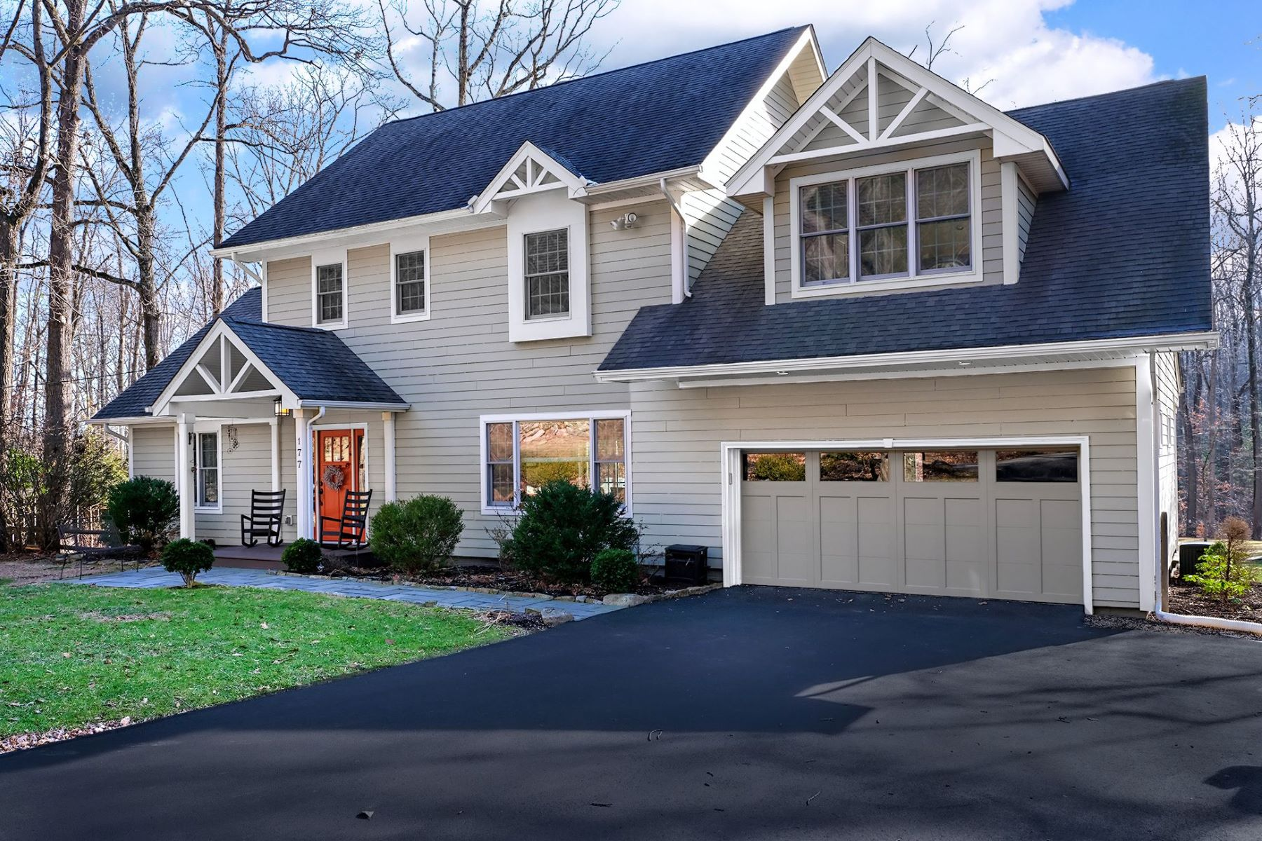 Single Family Homes per Vendita alle ore Craftsman-Style Home Backing To Holland Highlands Preserve 177 Andersen Road, Milford, New Jersey 08848 Stati Uniti