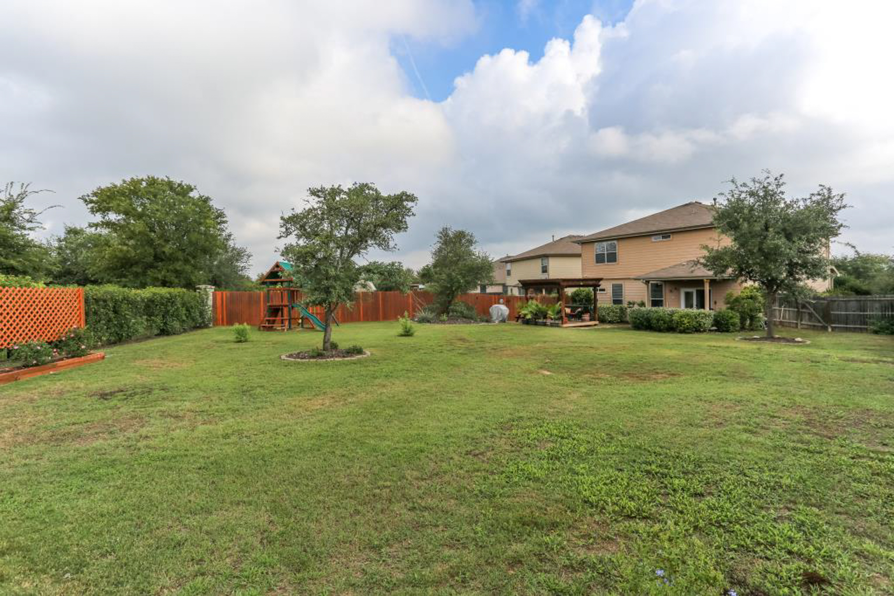 Additional photo for property listing at Former Model Home in Redbird Ranch 219 Redbird Cir San Antonio, Texas 78253 United States