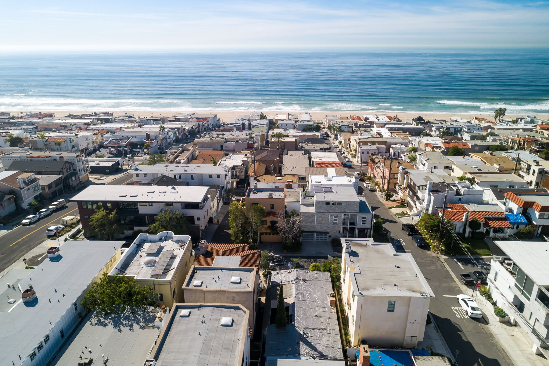 Multi-Family Homes for Sale at 2216 Alma Avenue, Manhattan Beach, CA 90266 2216 Alma Avenue Manhattan Beach, California 90266 United States