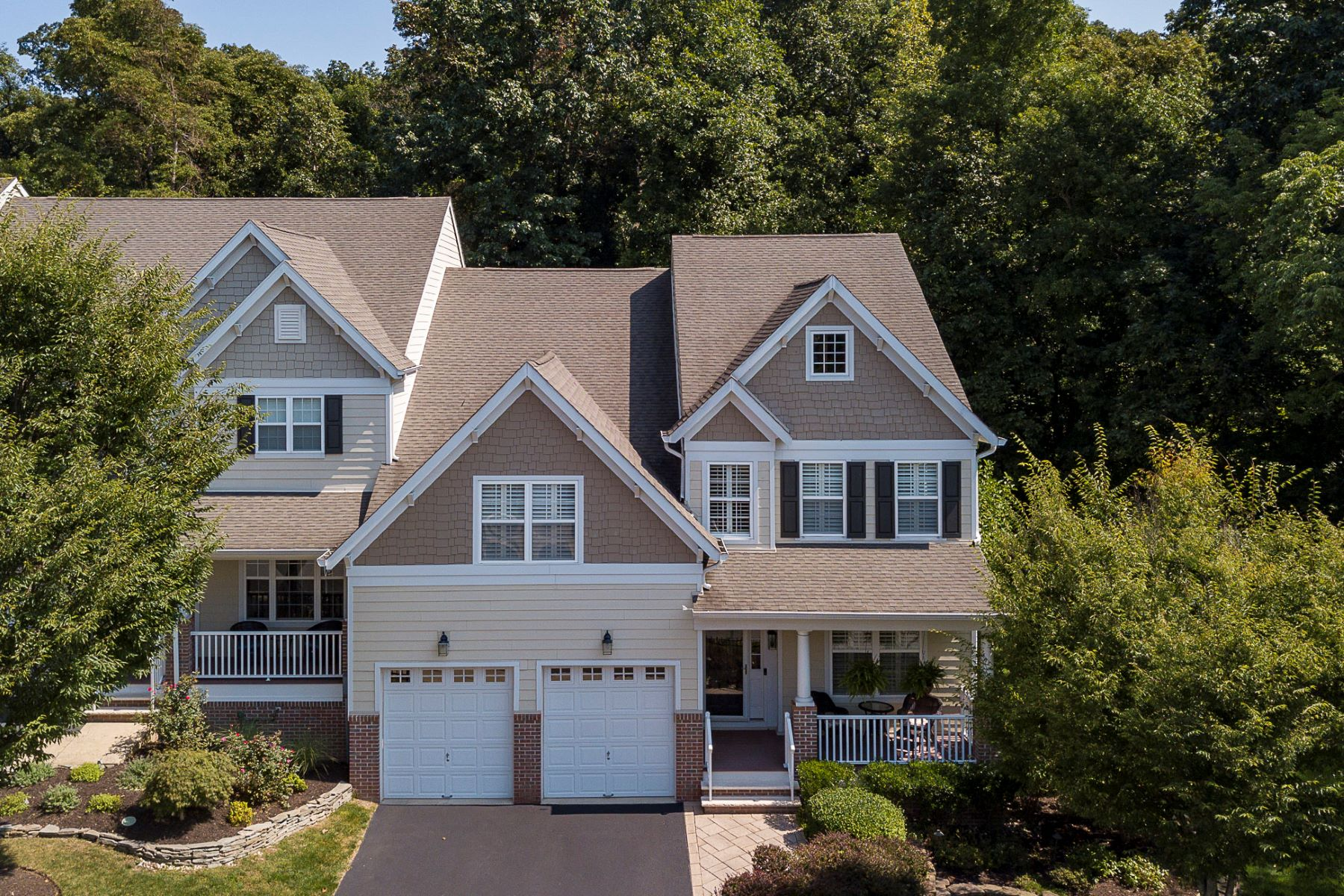 Additional photo for property listing at Unlike Anything Else In Lambert's Hill! 100 McDowell Drive, Lambertville, New Jersey 08530 United States