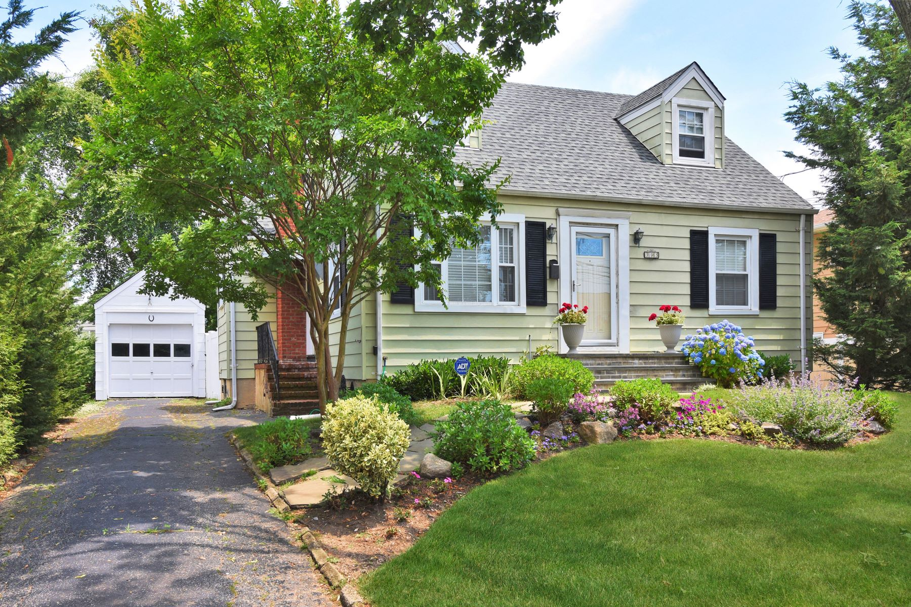 Single Family Homes 為 出售 在 Freeport 395 S Long Beach, Freeport, 纽约 11520 美國