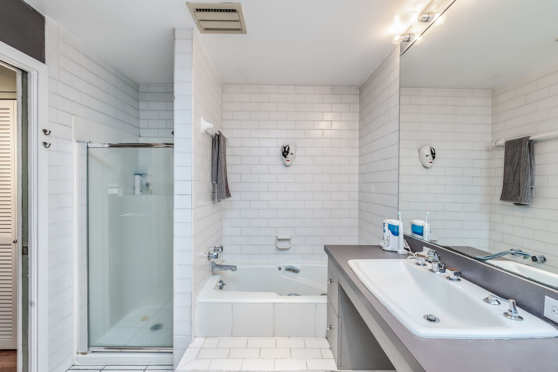 Additional photo for property listing at Condo in the heart of Central West End 4912 McPherson Avenue #5 St. Louis, Missouri 63108 United States