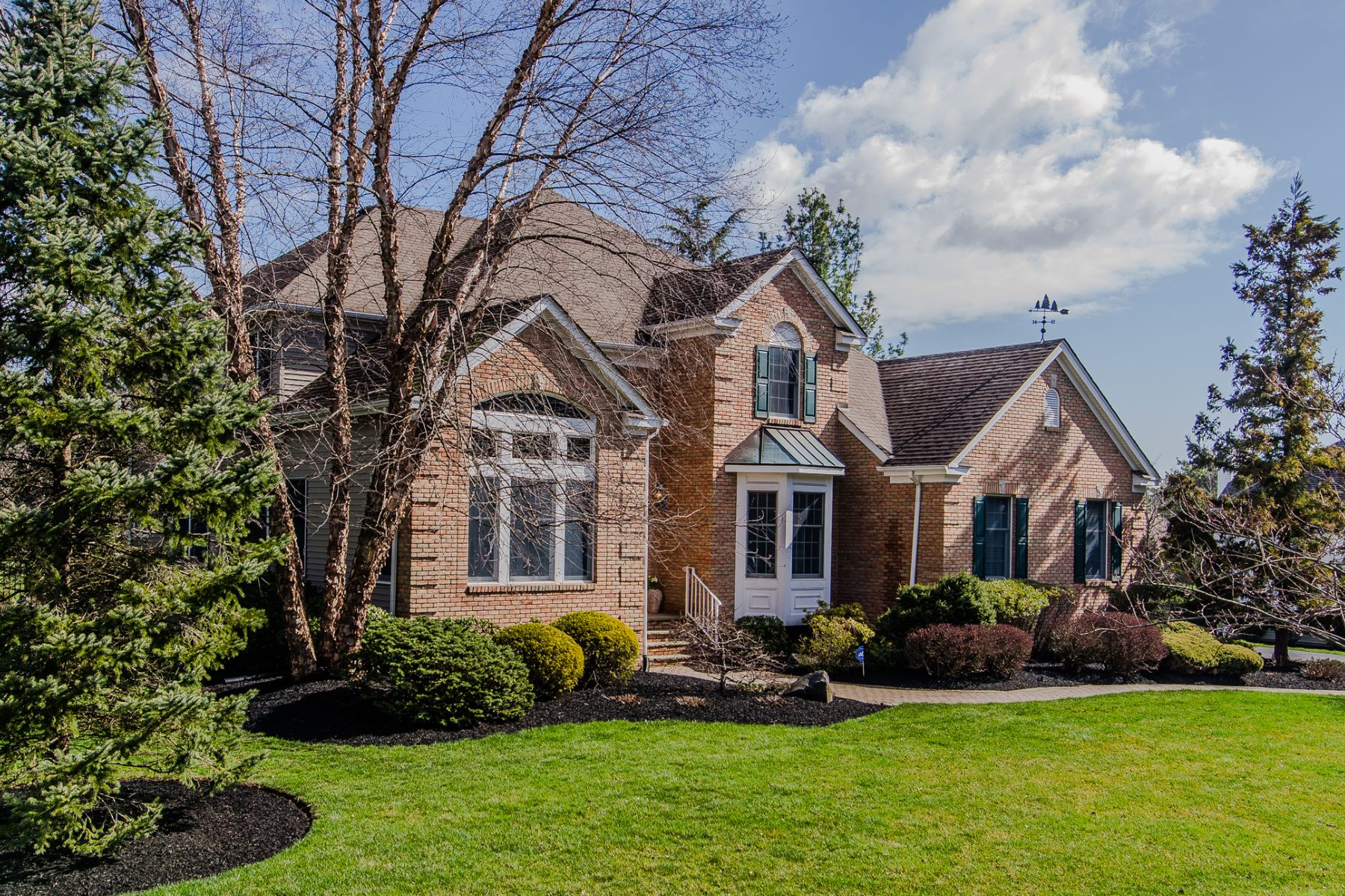 Single Family Homes per Vendita alle ore A True Oasis in West Windsor 79 Conover Road, West Windsor, New Jersey 08550 Stati Uniti