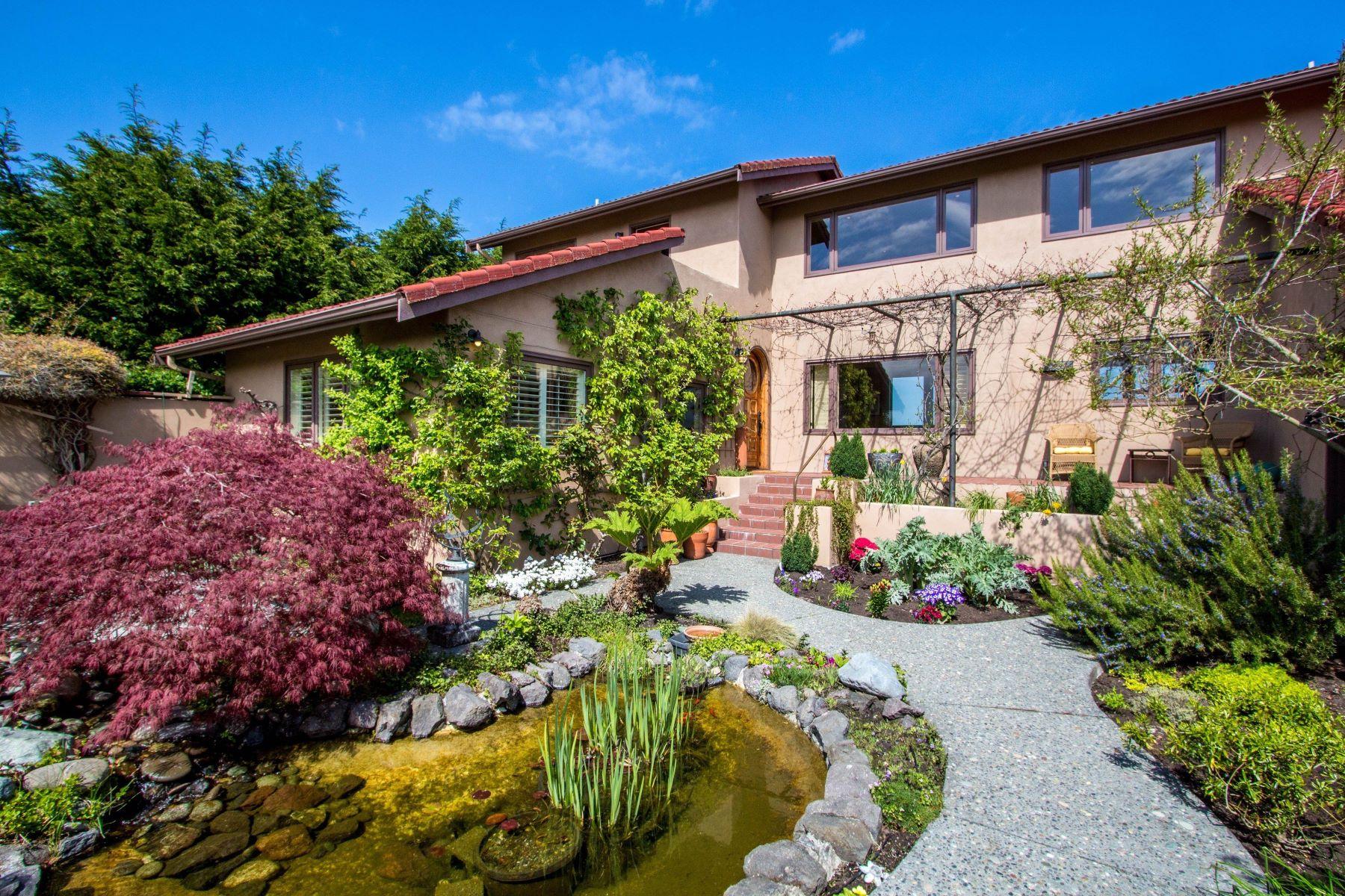 Single Family Homes por un Venta en Sequim Waterfront Home 32 West Seashore Lane Sequim, Washington 98382 Estados Unidos